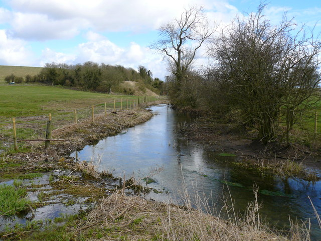 Avebury - The River Kennet - geograph.org.uk - 721240