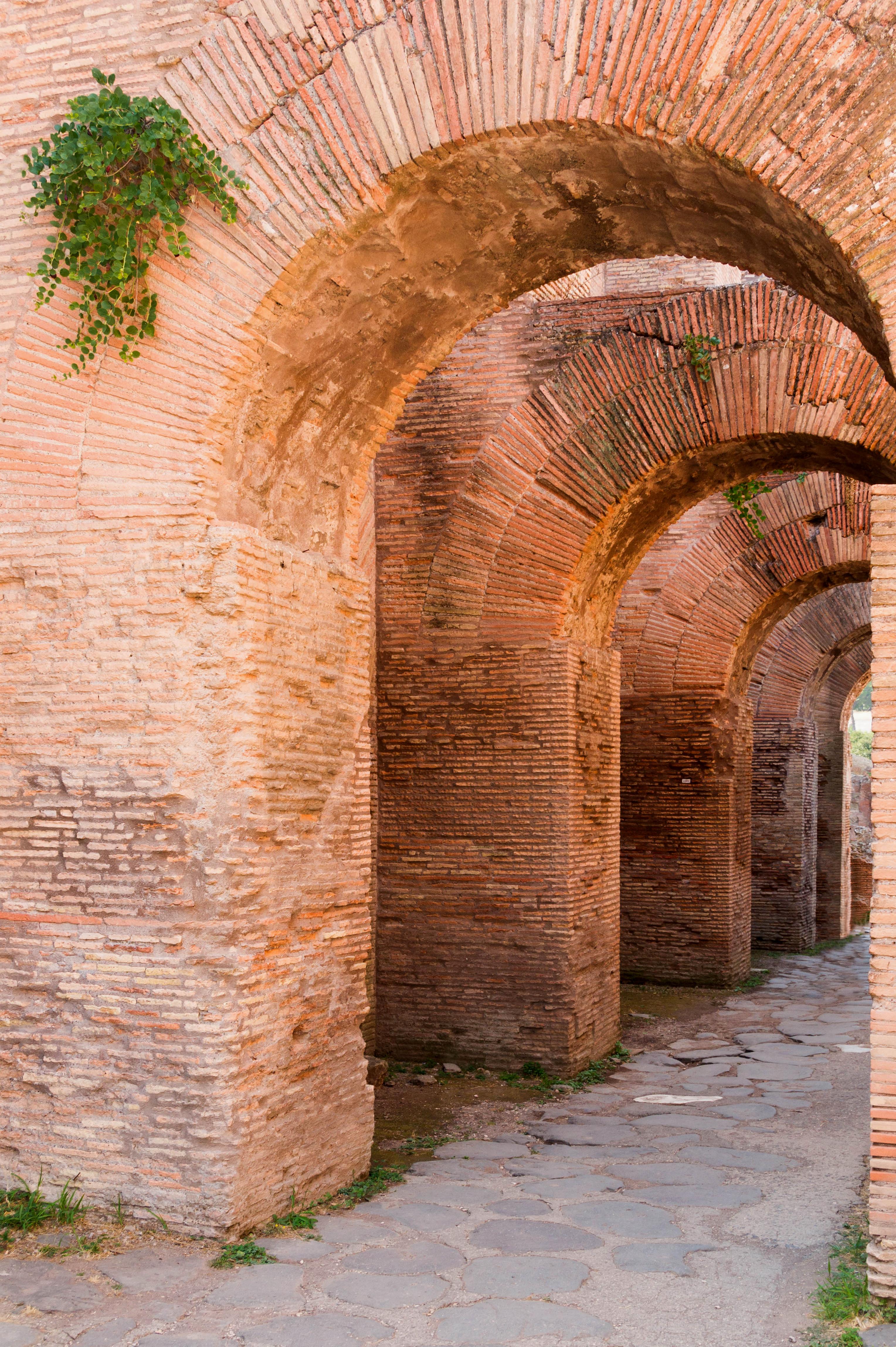 file brick arches forum romanum rome jpg wikimedia commons