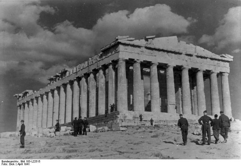Bundesarchiv Bild 183-L22515, Griechenland, Parthenon, Deutsche Soldaten
