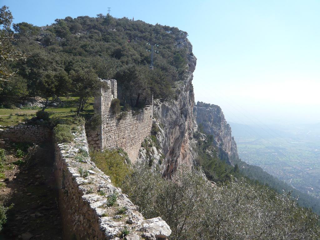 File:Castell dAlaro.jpg - Wikimedia Commons