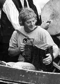 Charlie Piggott Irish traditional musician (born 1948)