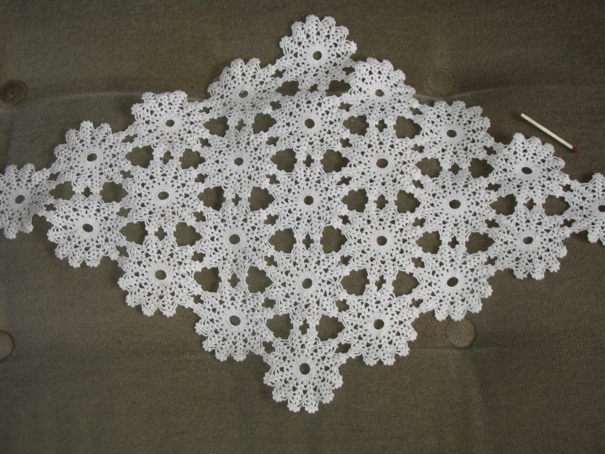 About Crochet : Description Crochet small Swedish tablecloth about 1930.JPG