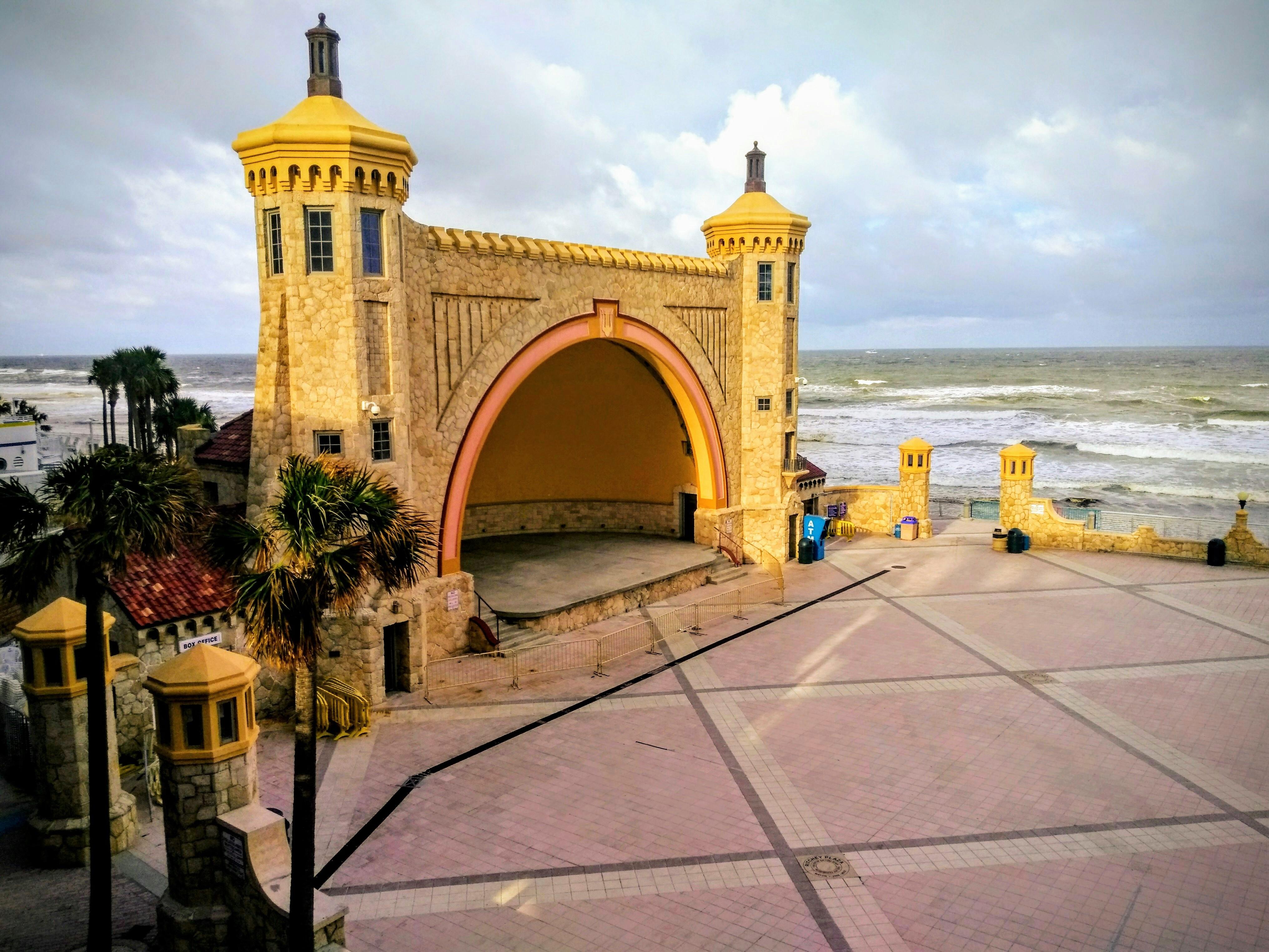 File:Daytona Beach Band Shell view from southwest.jpg - Wikimedia Commons