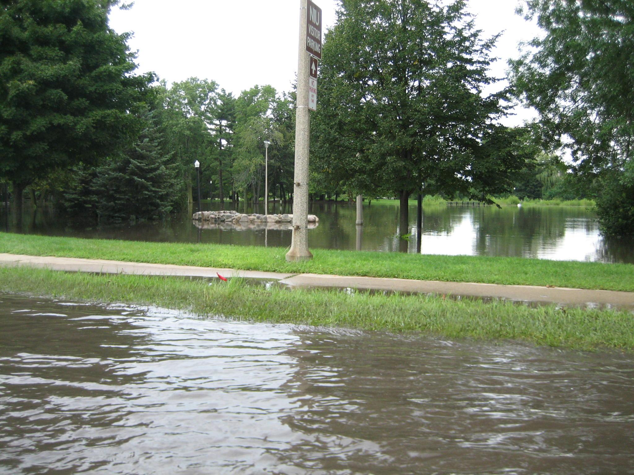 File Dekalb Il Kishwaukee River Flood30 Jpg Wikimedia