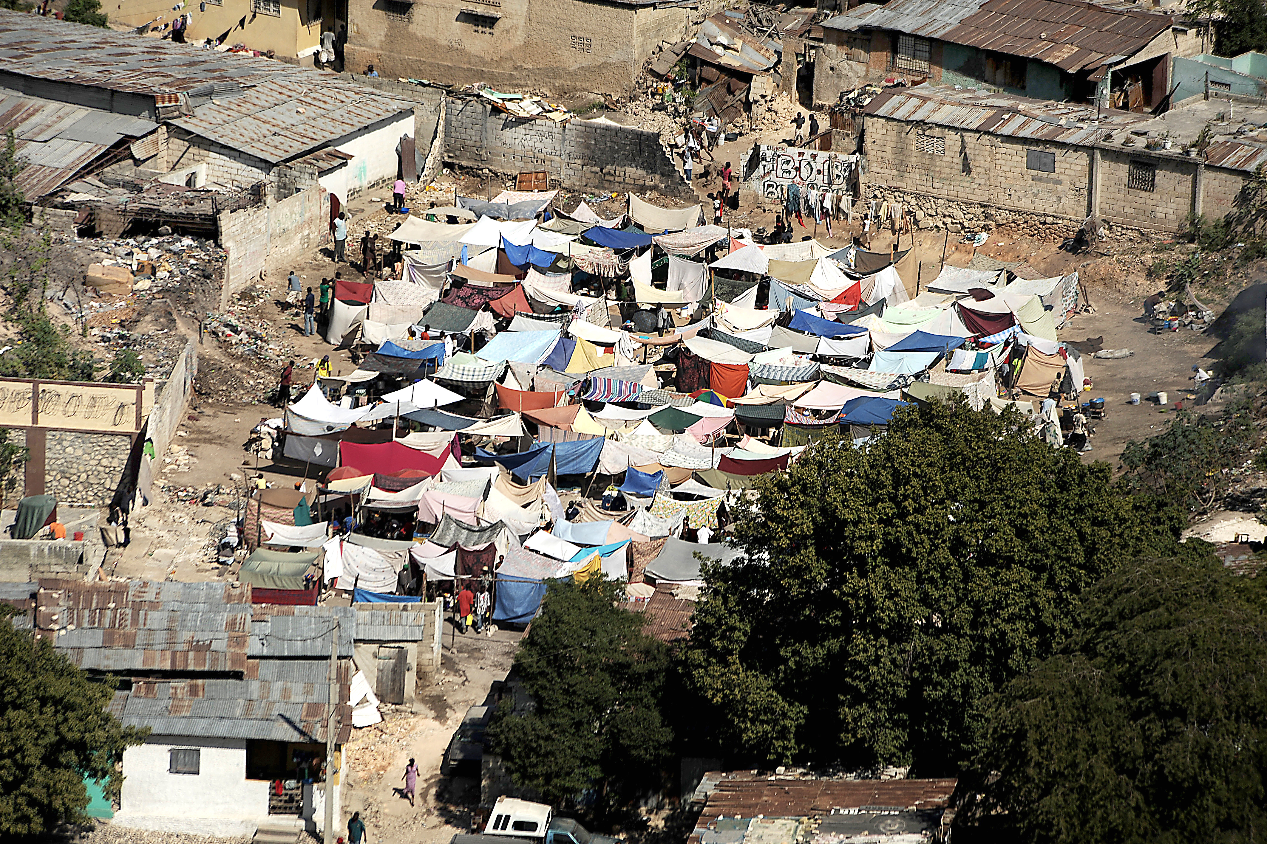 Fileearthquake Damage In Downtown Portauprince  Jpg  Fileearthquake Damage In Downtown Portauprince