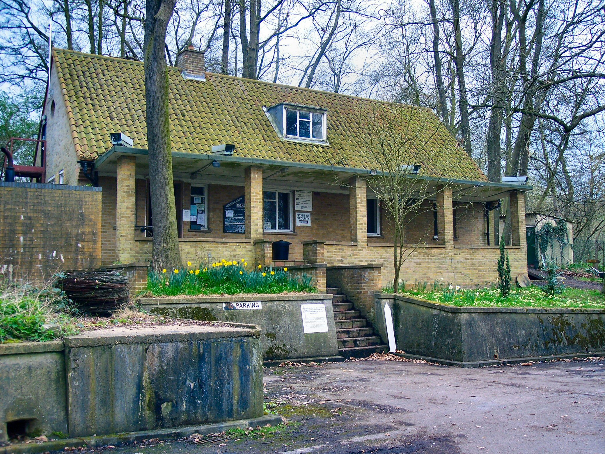 What About Those Nuclear Bunker >> Kelvedon Hatch Secret Nuclear Bunker Wikipedia