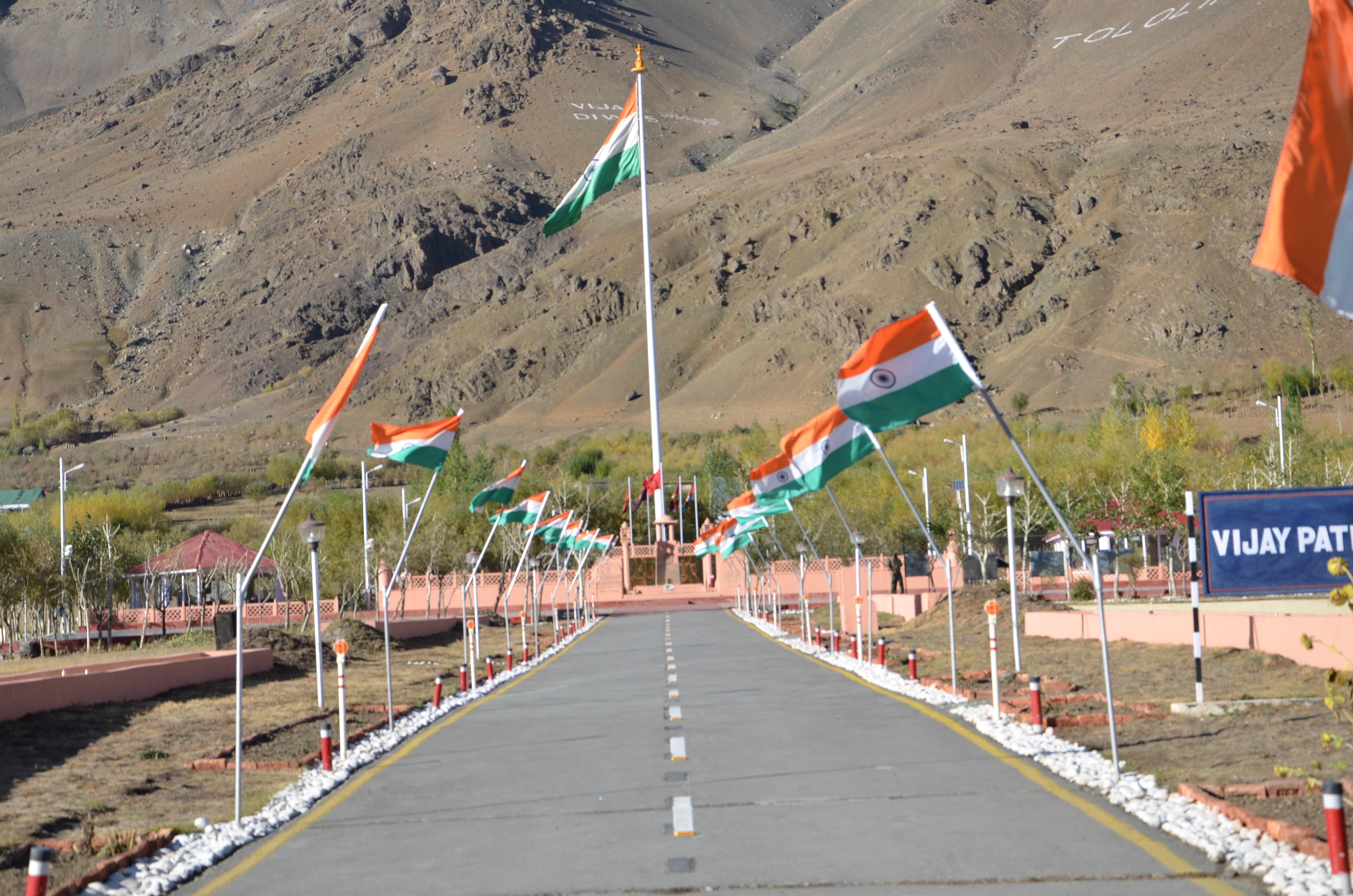 File:Entrance to the Kargil War memorial jpg - Wikimedia Commons