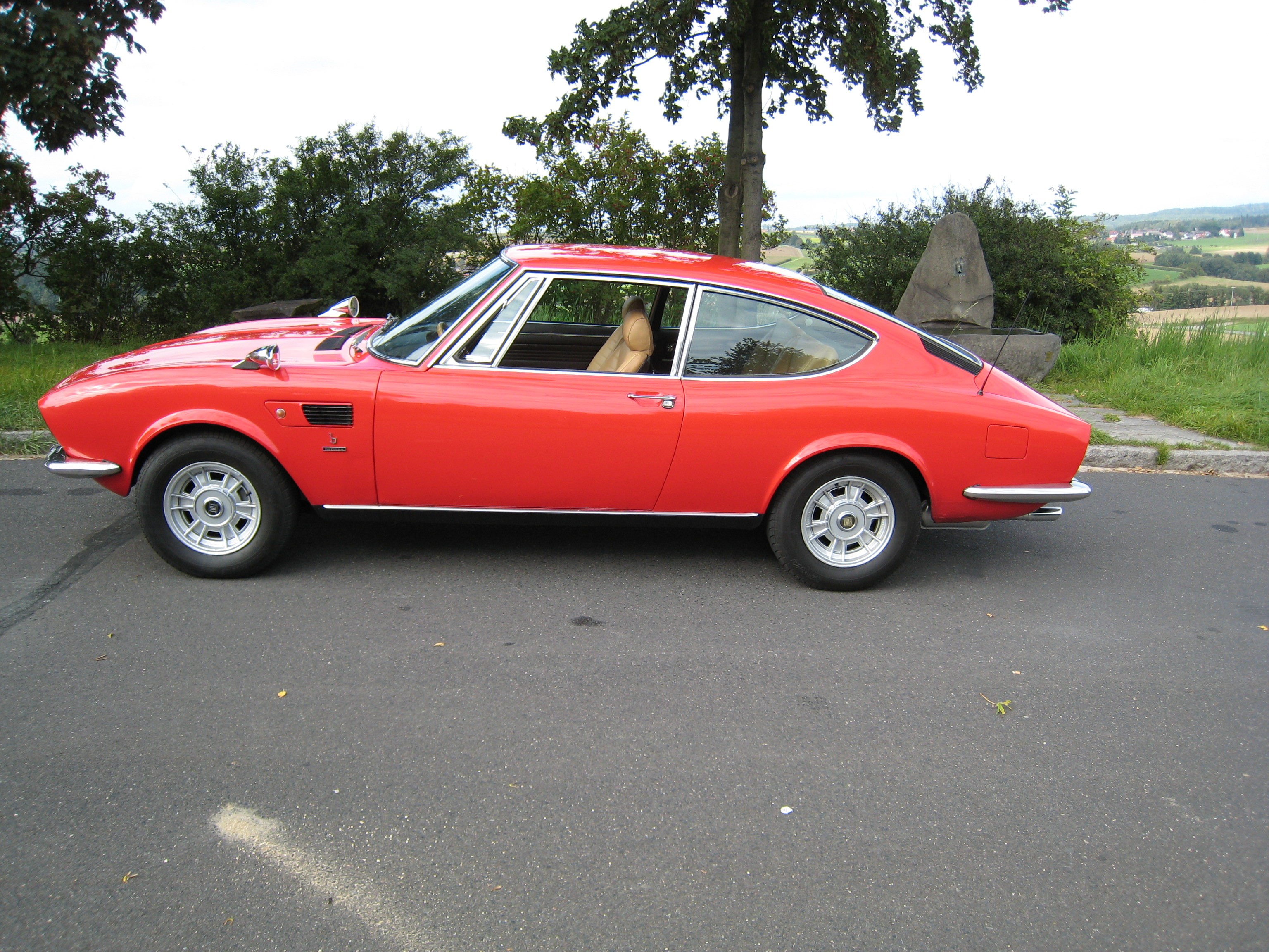67 Fiat 125 Vignale Samantha additionally 1975 Fiat 124 Coupe furthermore 1947 Ford Coupe together with 1973 Alfa Romeo Gtv 2000 furthermore Abarth 124 Spider Convertible Manual 2016 Review Road Test 47907. on fiat spider for sale