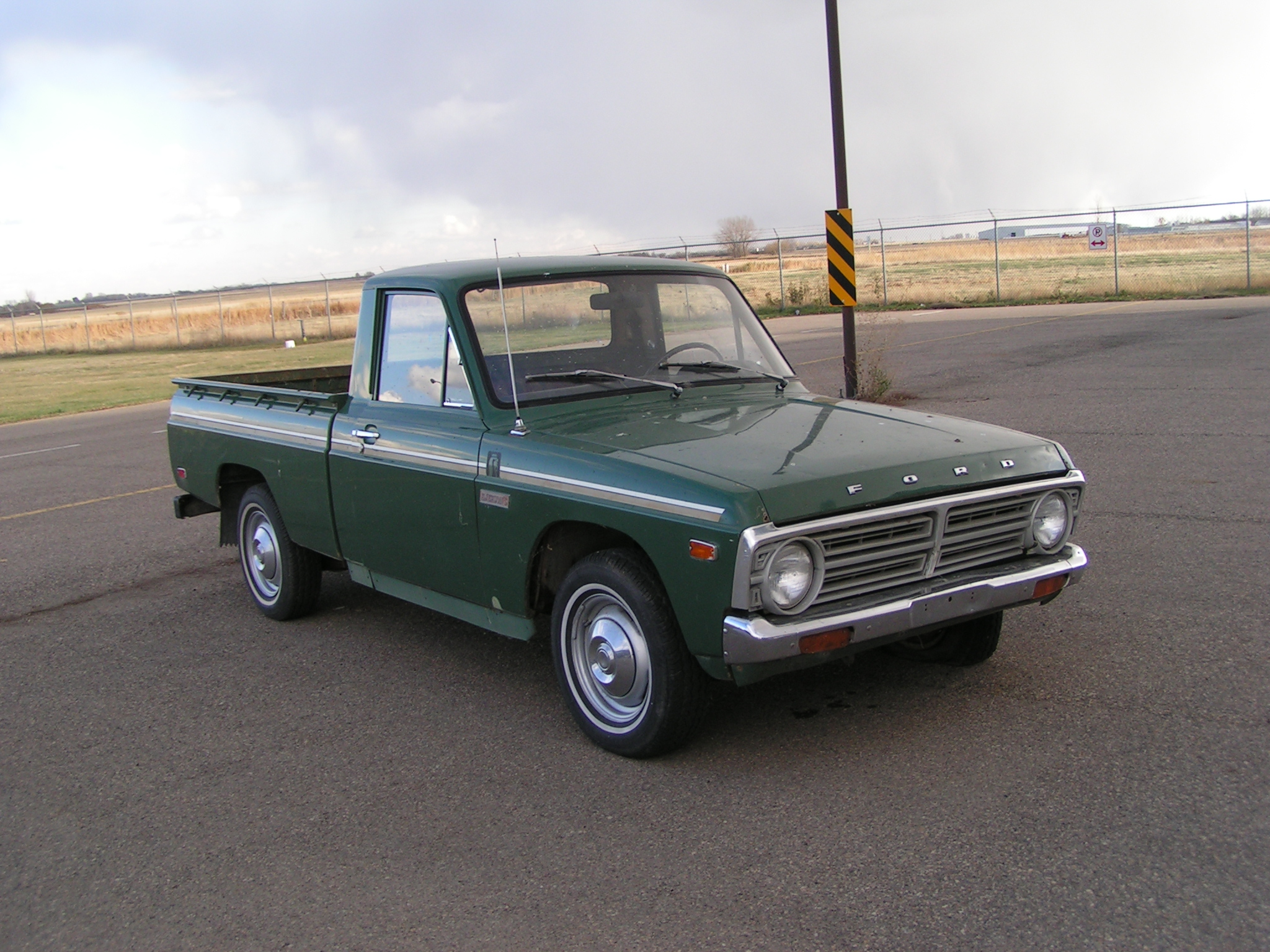 File:Ford Courier.jpg - Wikipedia, the free encyclopedia