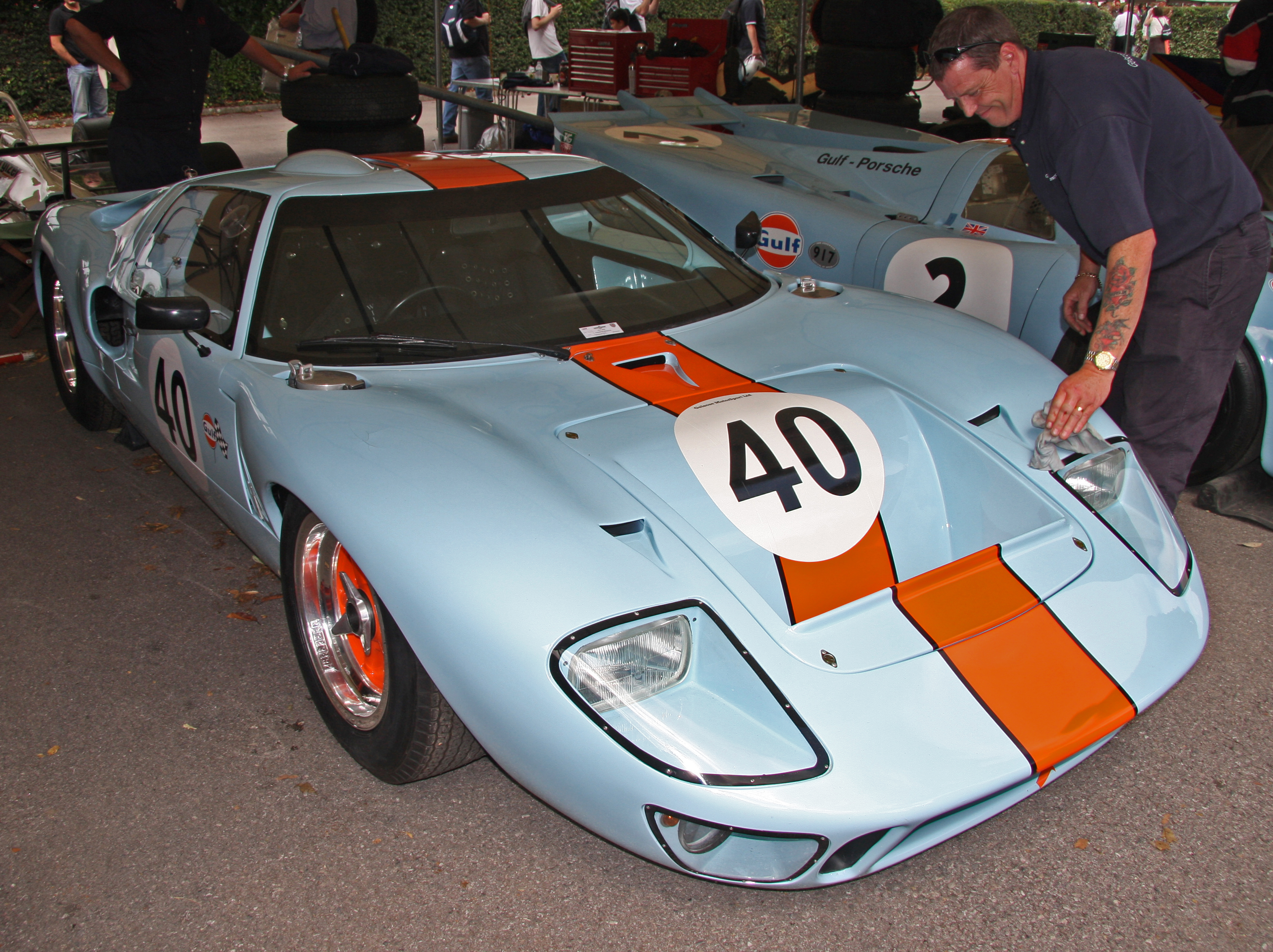 File:Ford GT40 Gulf Front.jpg - Wikimedia Commons
