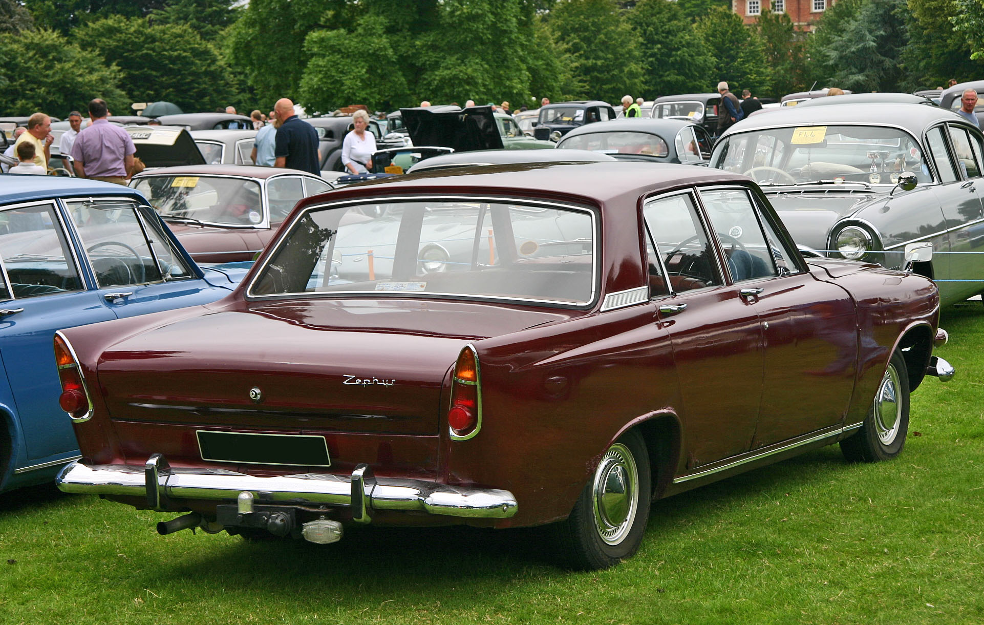 File Ford Zephyr 213E rear on body sections