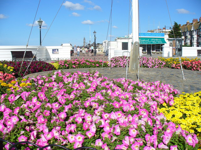 Gardens on the Seafront, Herne Bay - geograph.org.uk - 502957