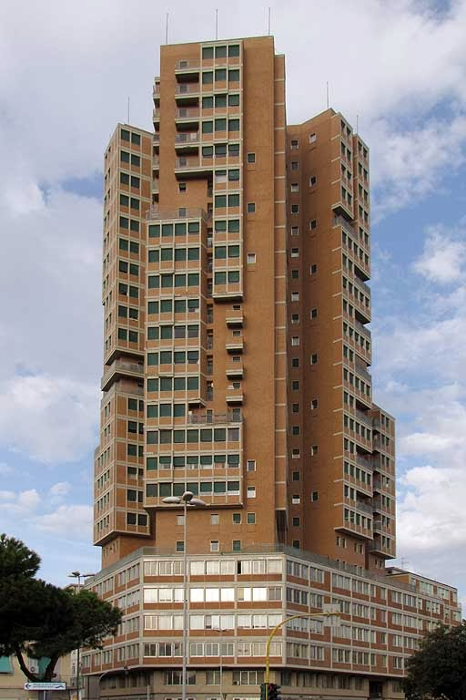 Grattacielo di piazza matteotti wikipedia for Piani di costruzione commerciali gratuiti