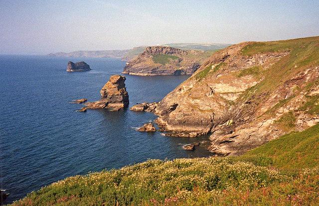 Grower Rock - geograph.org.uk - 1378404