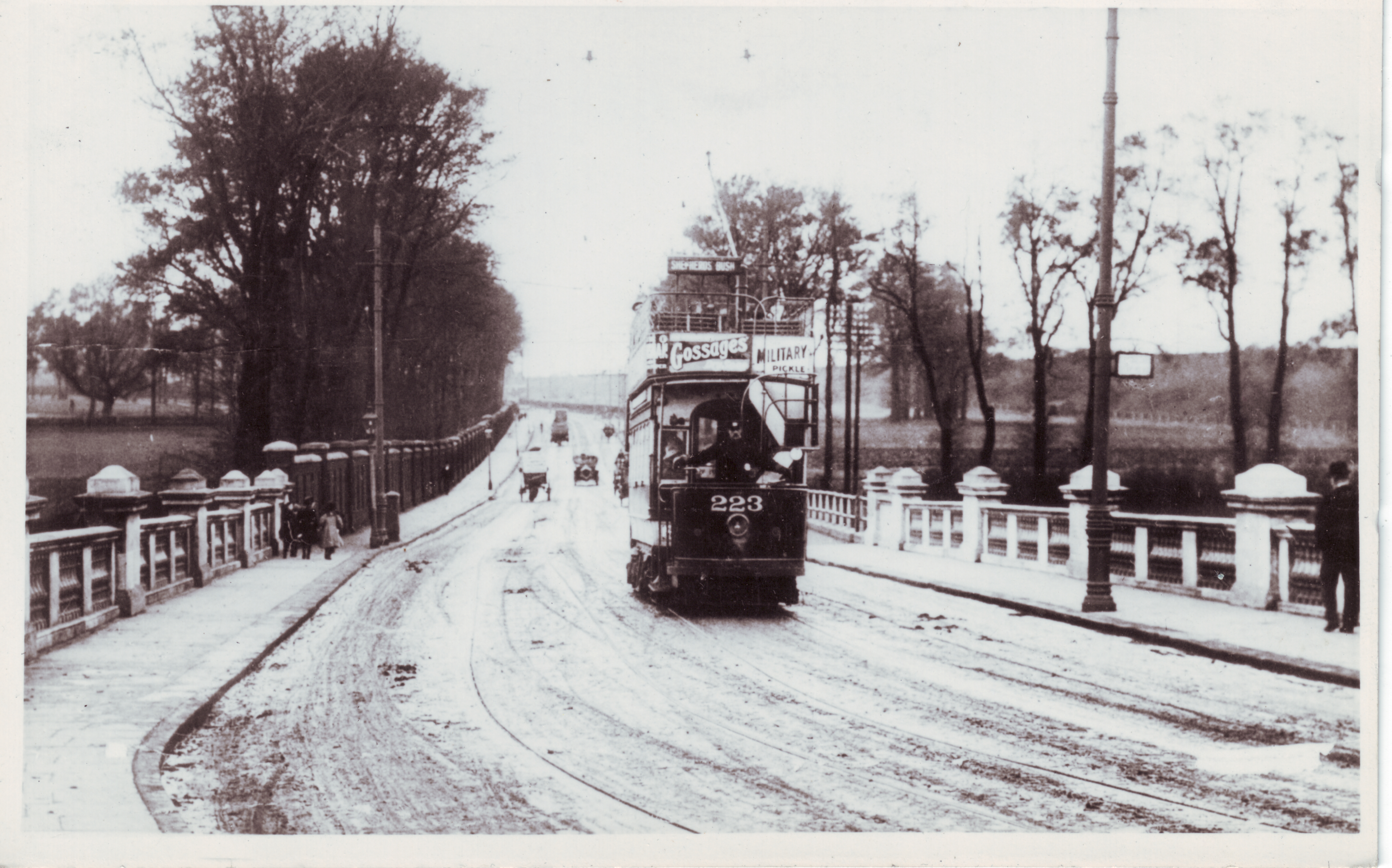 Tram crossing Hanwell Bridge