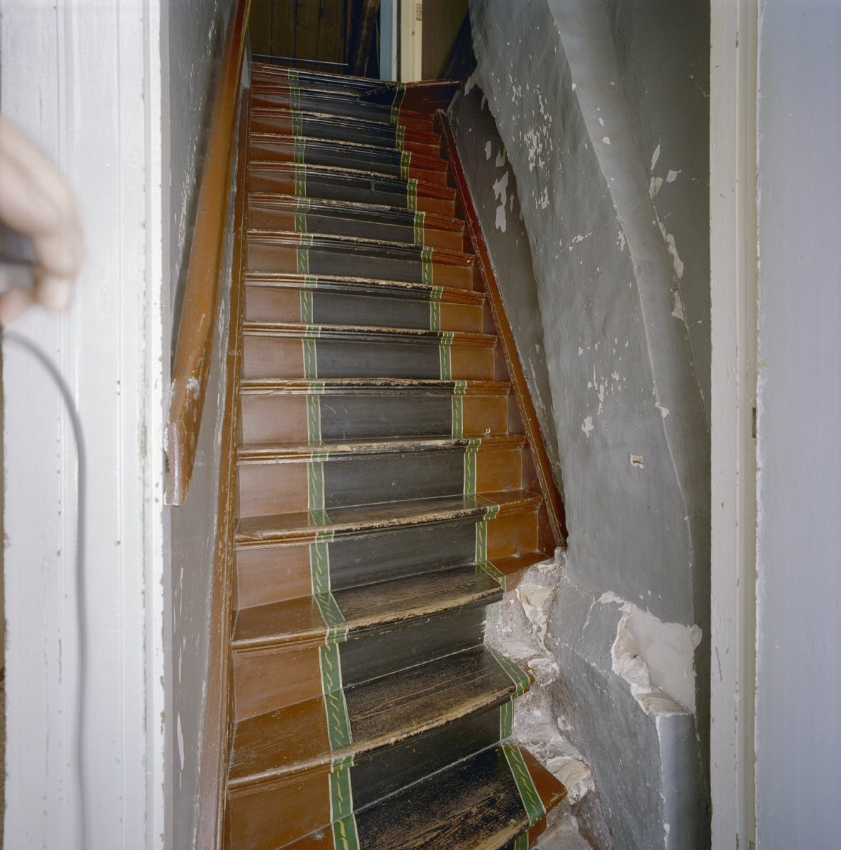 File interieur trap met geschilderde motieven heijningen 20337287 wikimedia commons - Interieur trap model ...