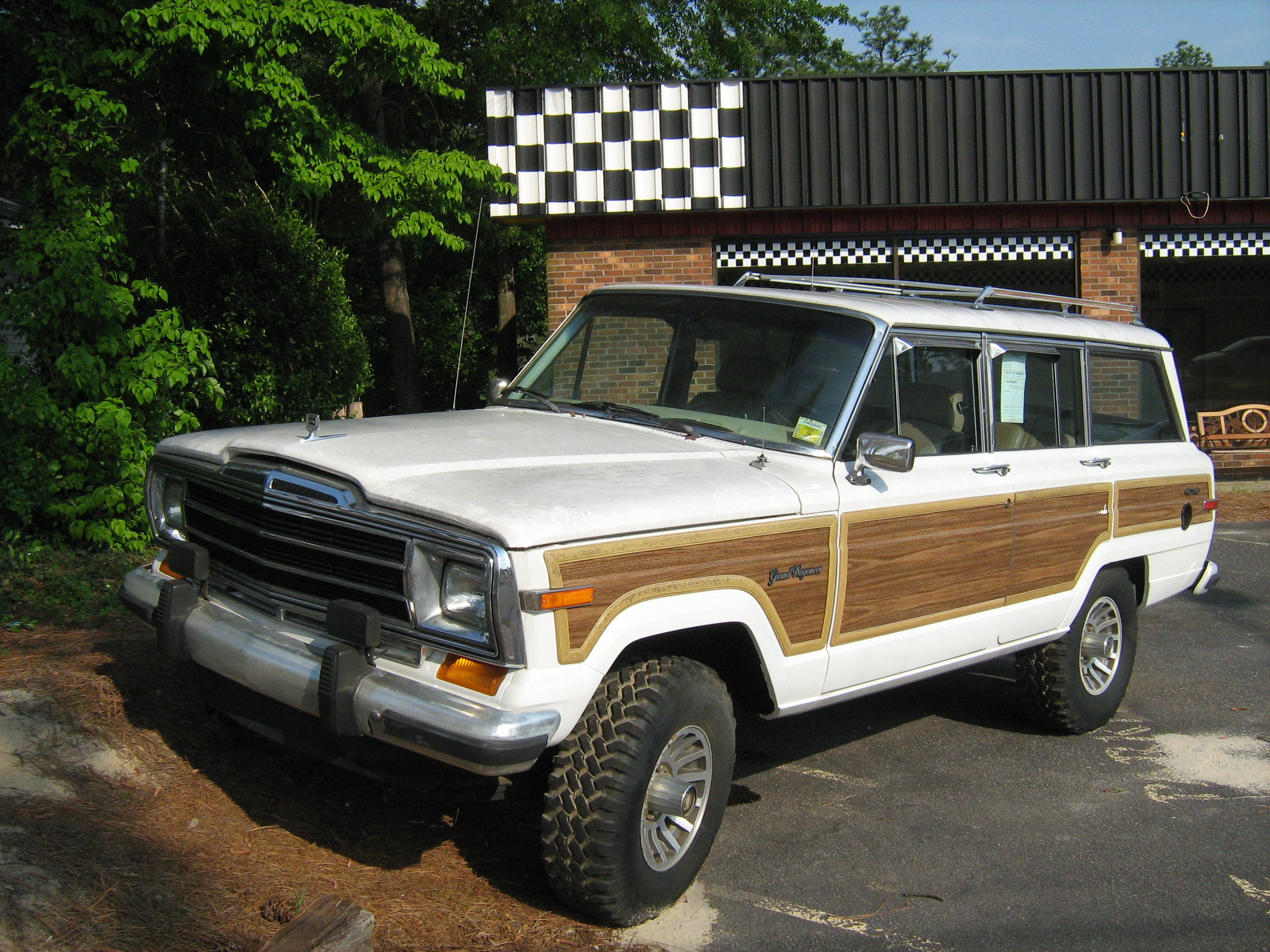File Jeep Grand Wagoneer White Nc Wikipedia