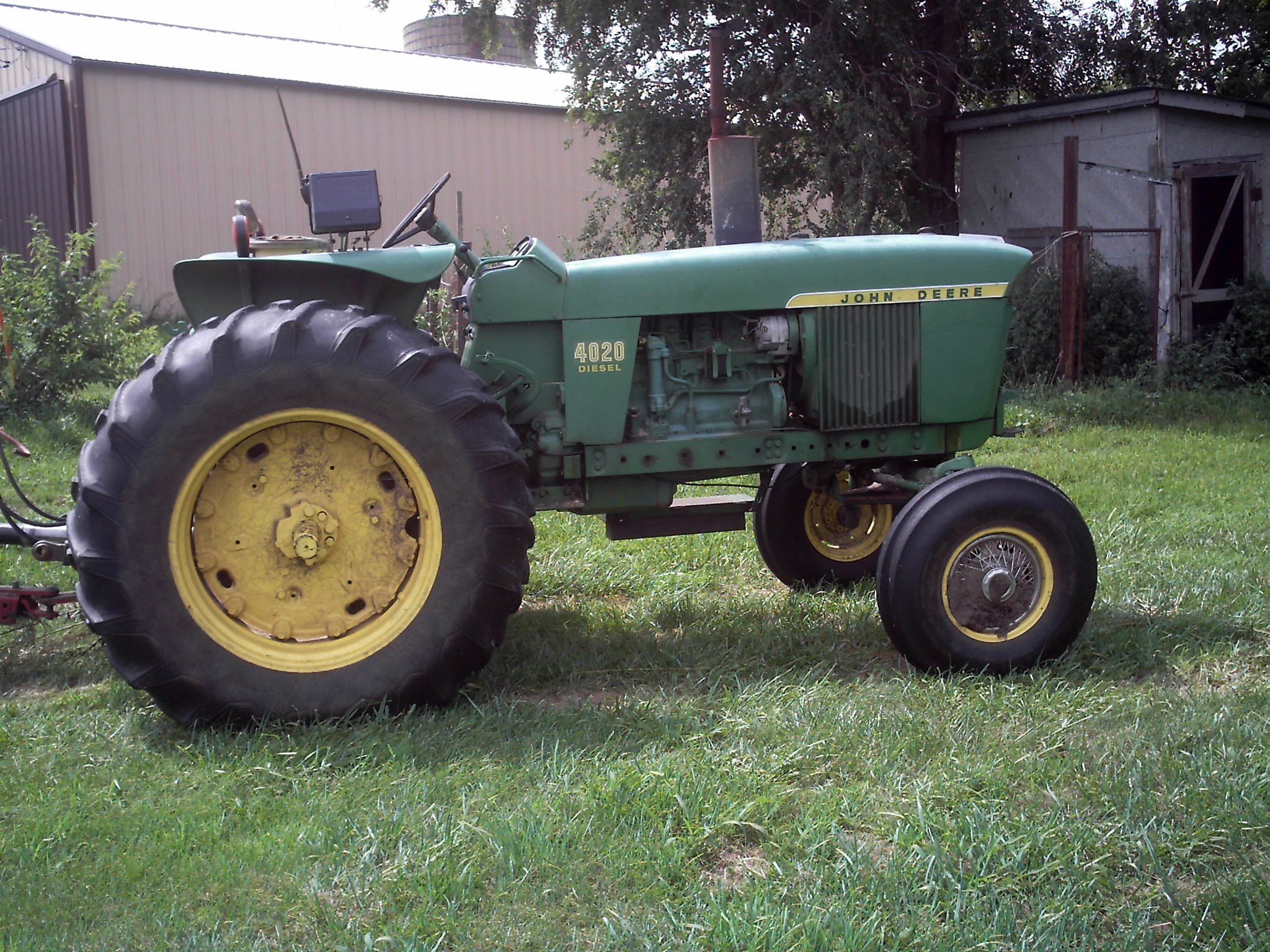 john deere 4020 serial number location