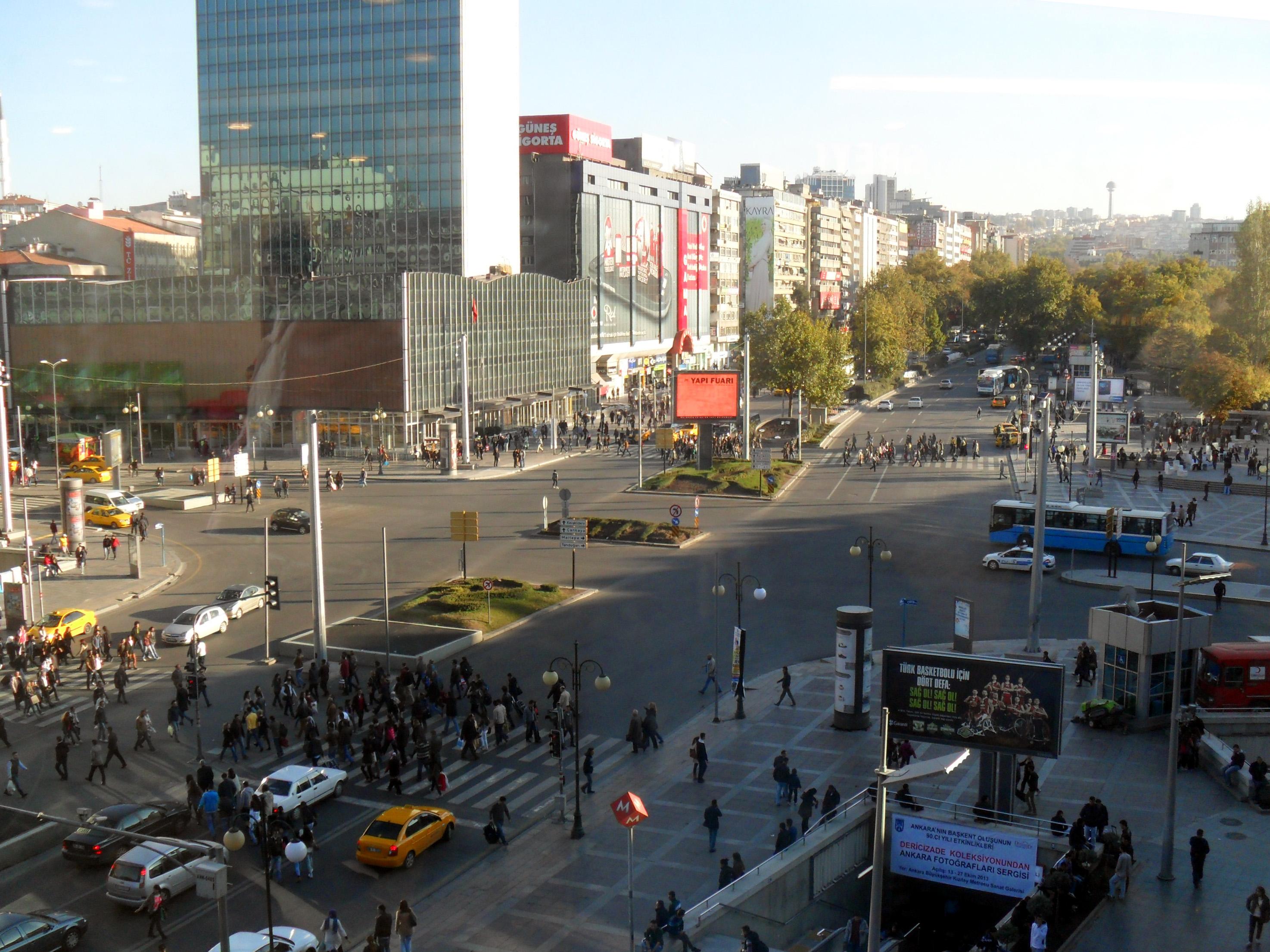 Dosya:Kızılay Square, Ankara, Turkey.jpg - Vikipedi