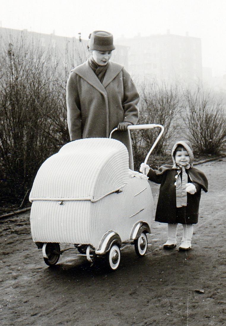 file kinderwagen 1955 wikimedia commons. Black Bedroom Furniture Sets. Home Design Ideas