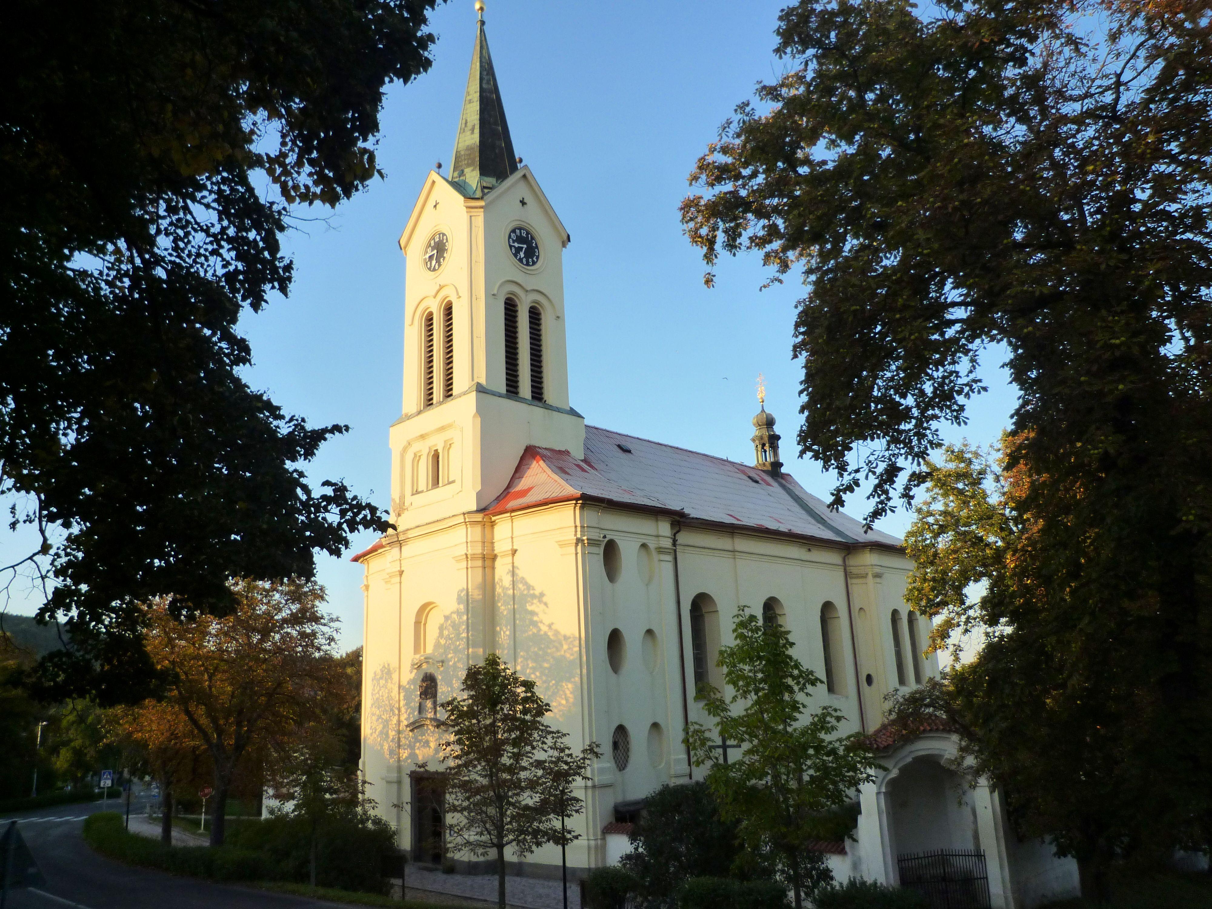 Výsledek obrázku pro mníšek pod brdy kostel