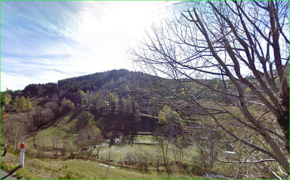 The Luech river (fr), tributary of the Cèze river itself tributary of the Rhône river, on the commune of Saint-Maurice-de-Ventalon, downstream after the village. Lozère department, region Languedoc-Roussillon. This is part of the Parc national des Cévennes. Photo taken on the D998 road to Vialas.