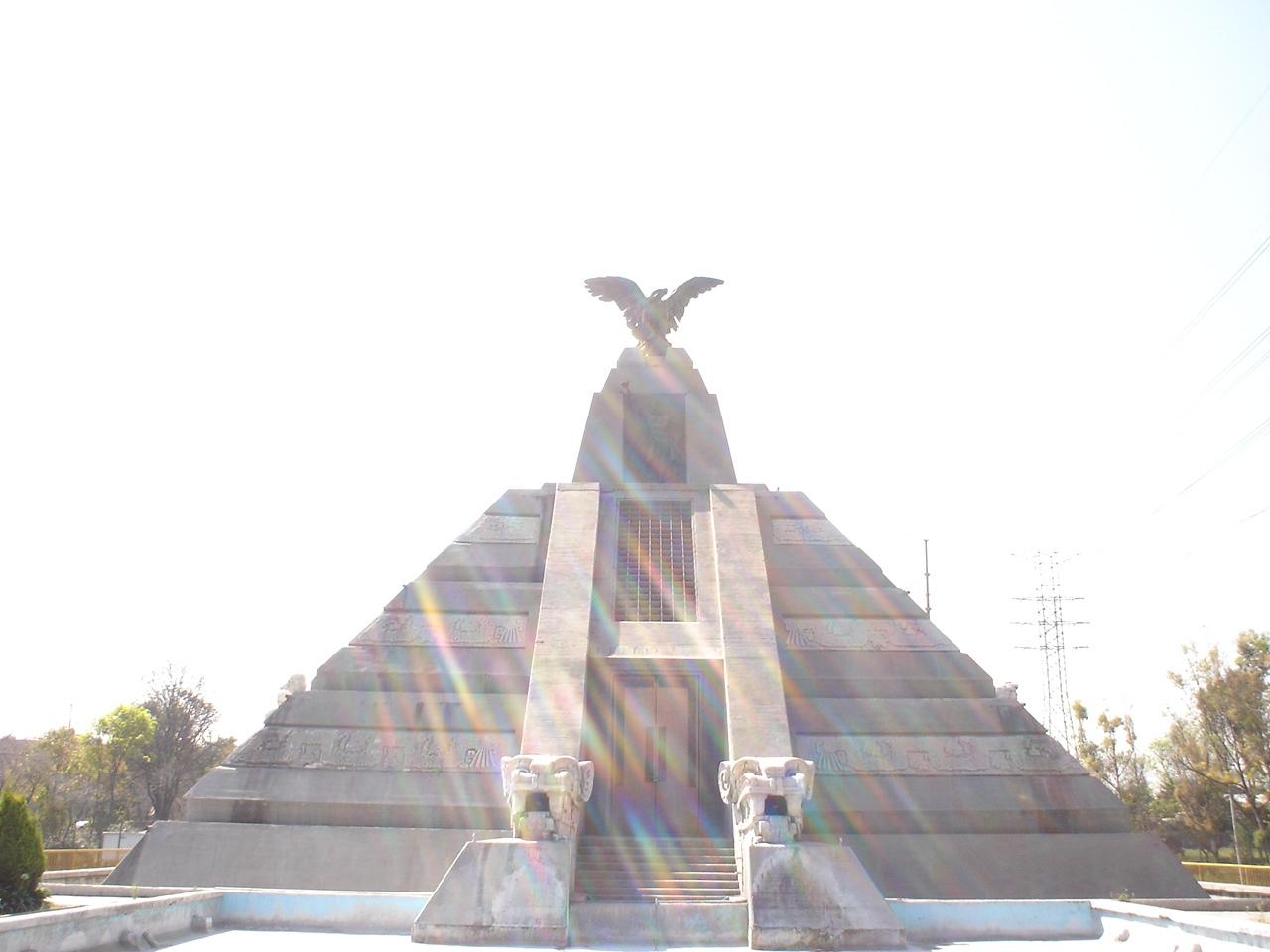NO DEJEN DE VISITAR EL ´NUEVO´ MONUMENTO A LA REVOLUCIÓN EN EL D.F.  MONUMENTO_A_LA_RAZA