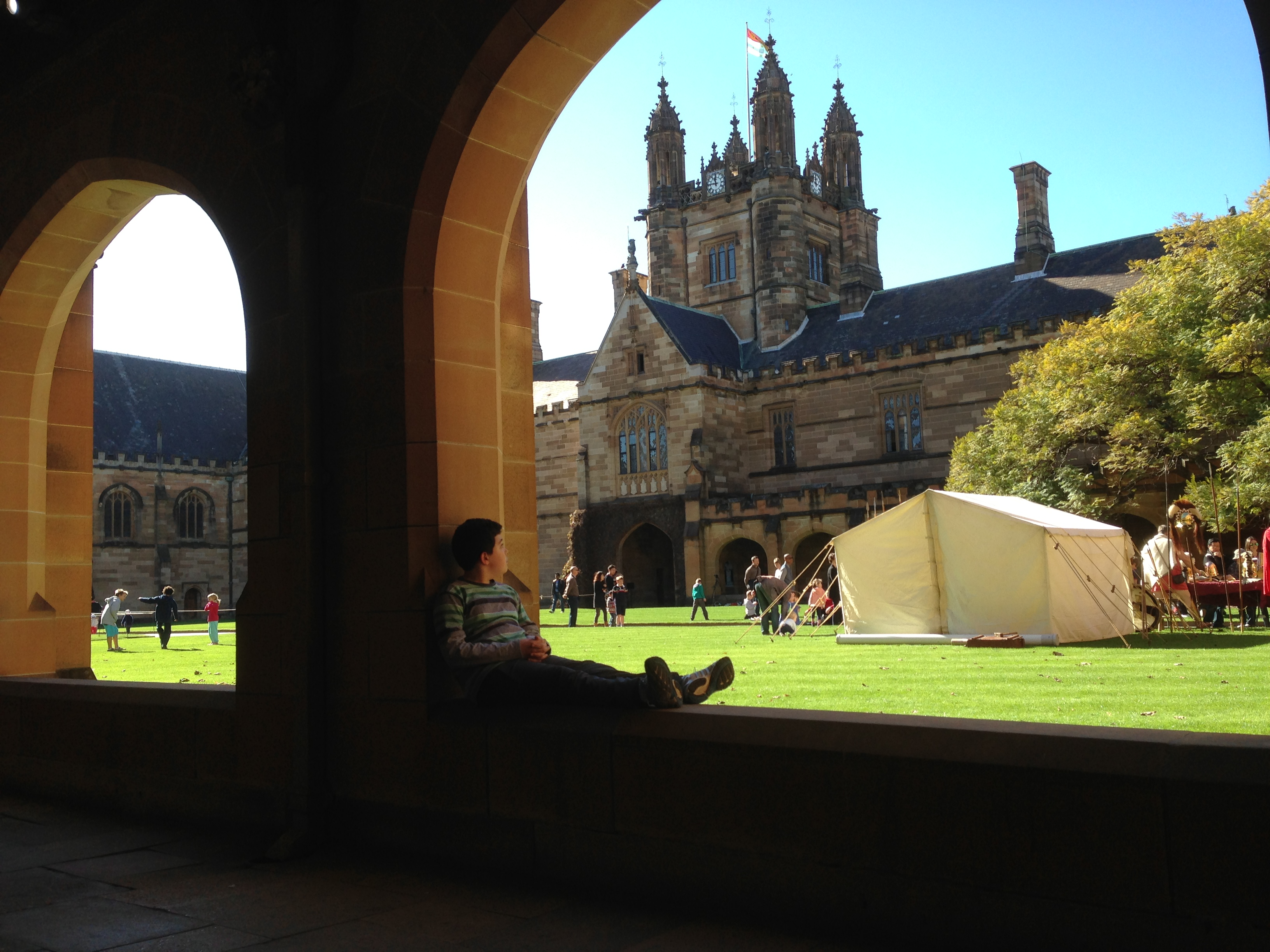 Main Quadrangle in the University of Sydney.JPG