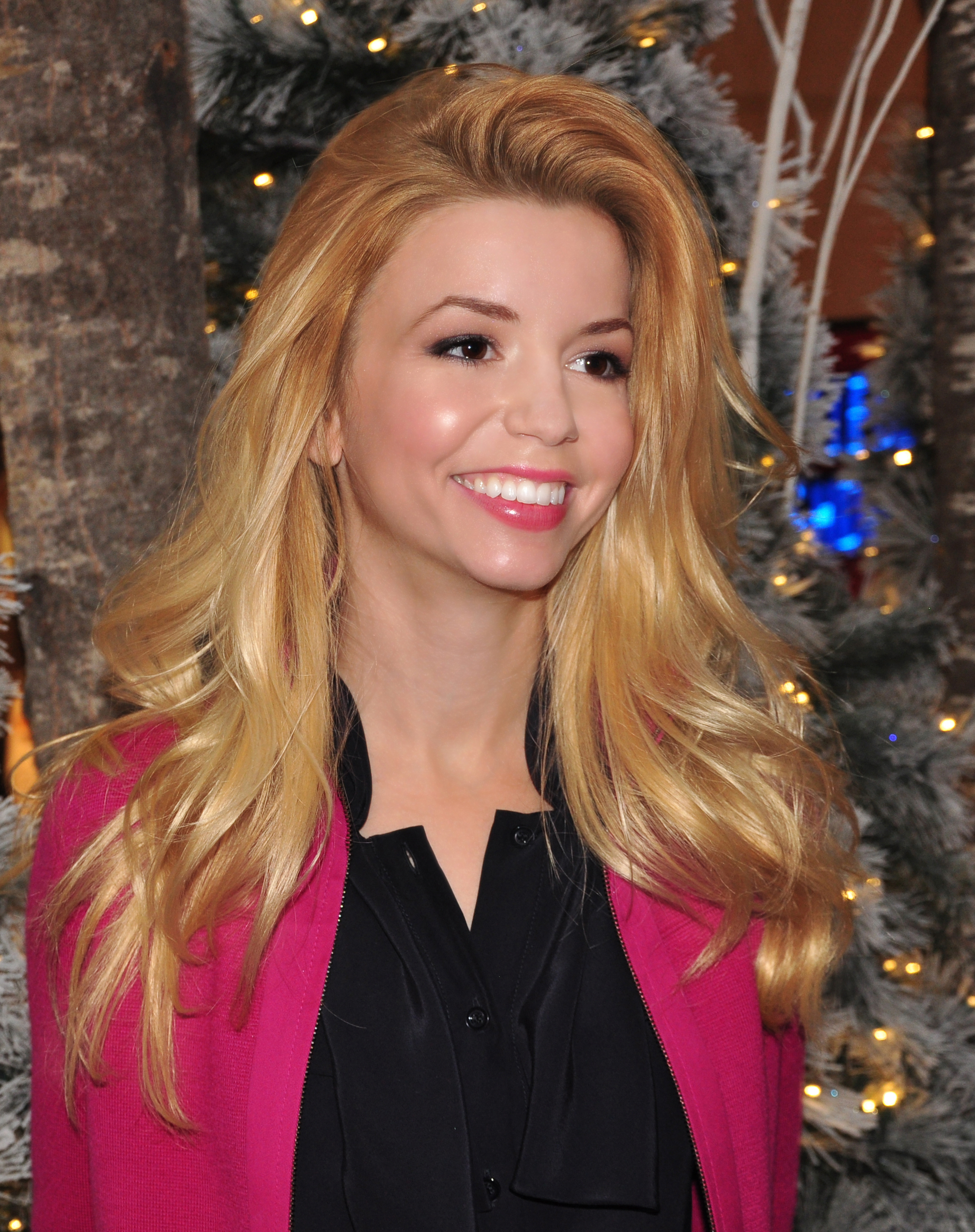 Masiela lusha is naked all the time consider