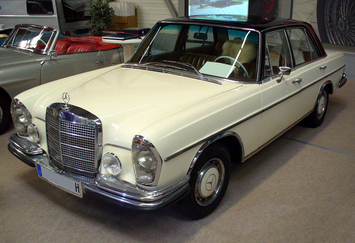 File mercedes benz w108 jpg for Mercedes benz w