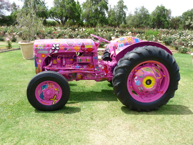 File Old Tractor At Ruston S Roses Jpg Wikimedia Commons