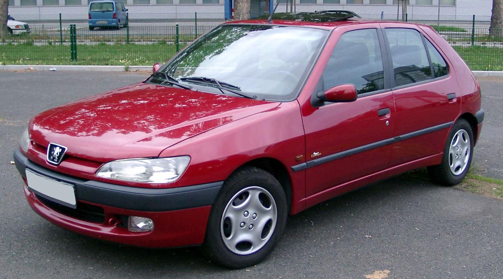 File:Peugeot 306 front 20080822.jpg
