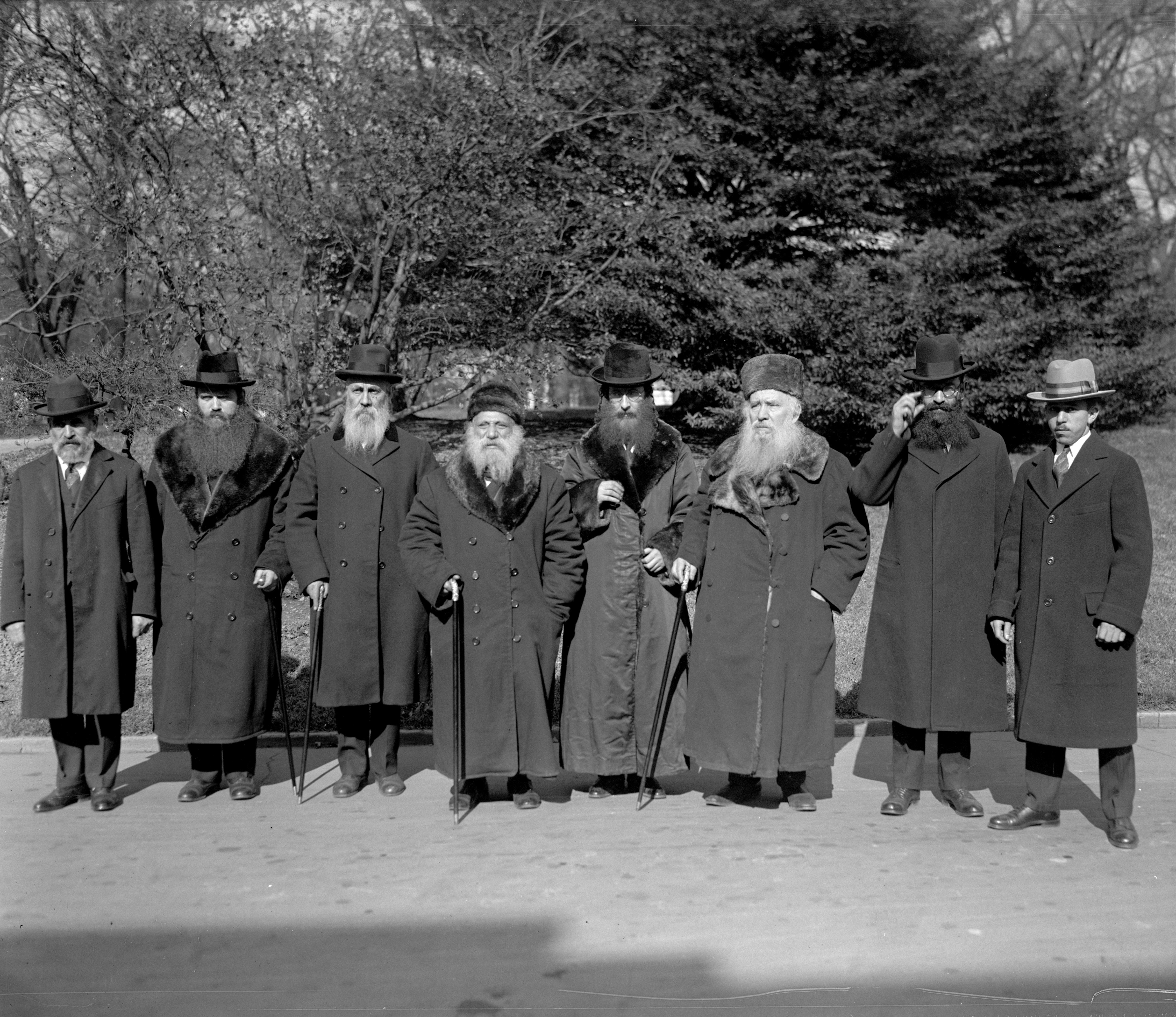 File:Rabbinical Board of N Y  at W H  1925  npcc 15086 jpg