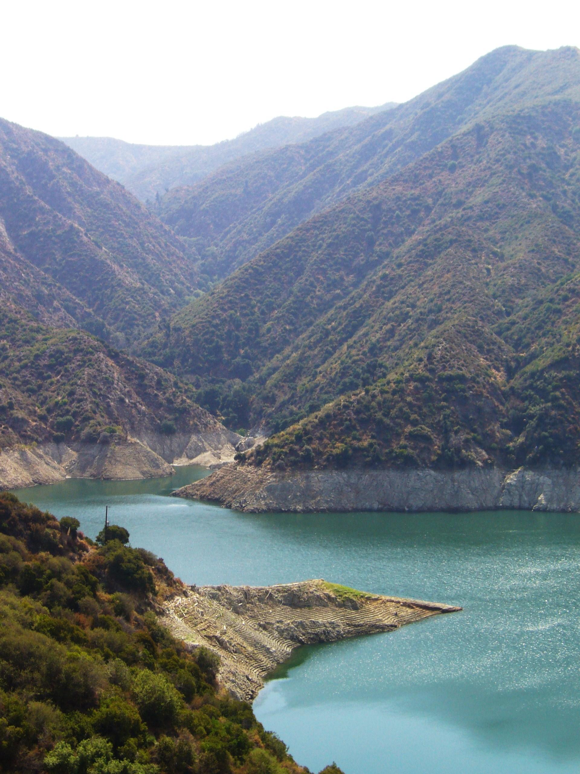 Description reservoir in the san gabriel mountains
