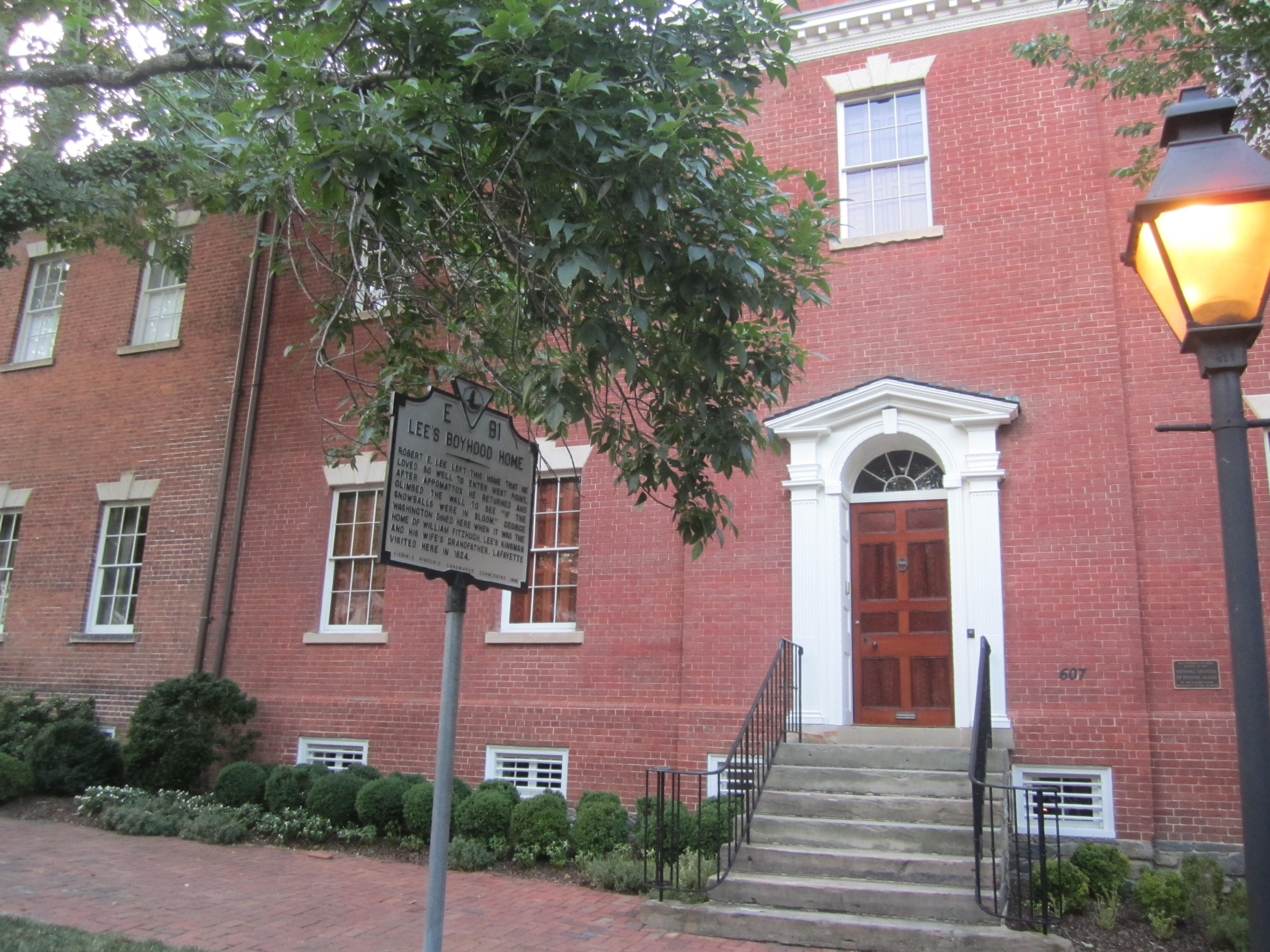 File robert e lee boyhood home alexandria va img 4708 for Lee homes