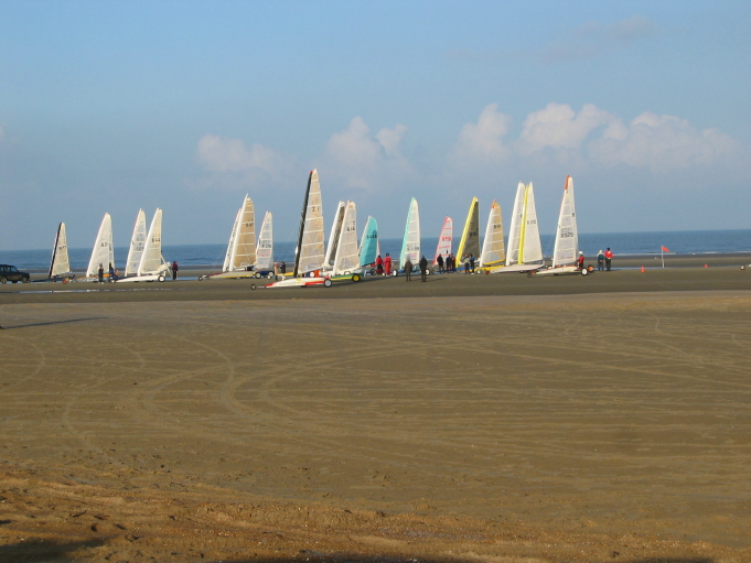 File:Sand Yachting 0001 1 1.JPG