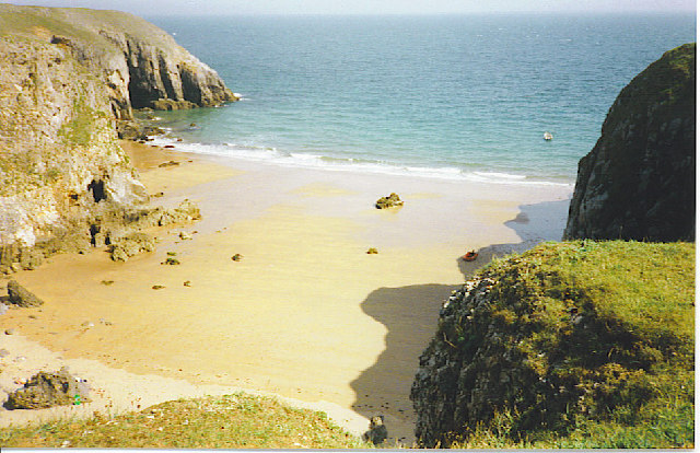 Sandy bay by Stackpole Warren. - geograph.org.uk - 113119