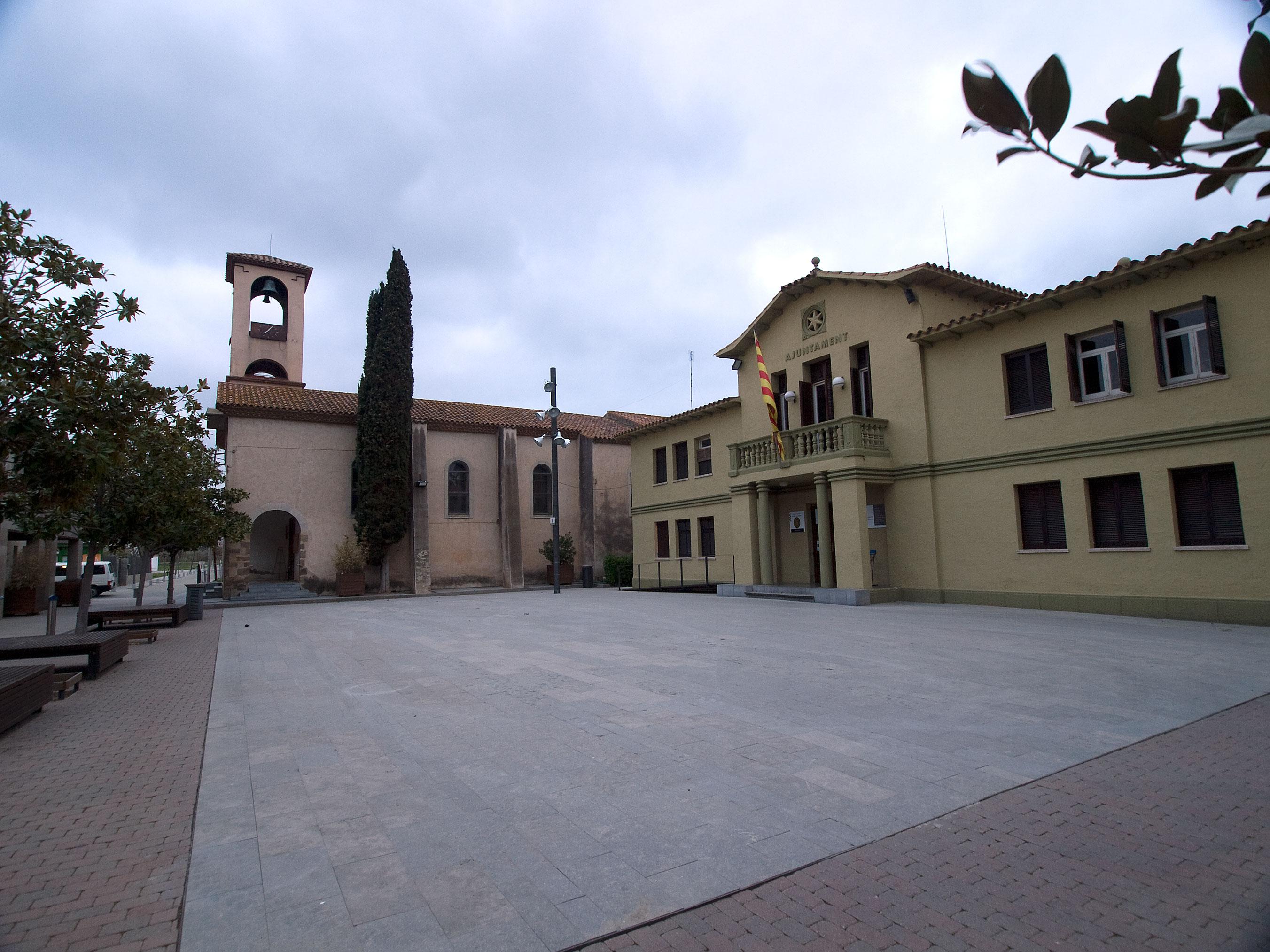 http://upload.wikimedia.org/wikipedia/commons/0/0c/Santa-Susanna.jpg
