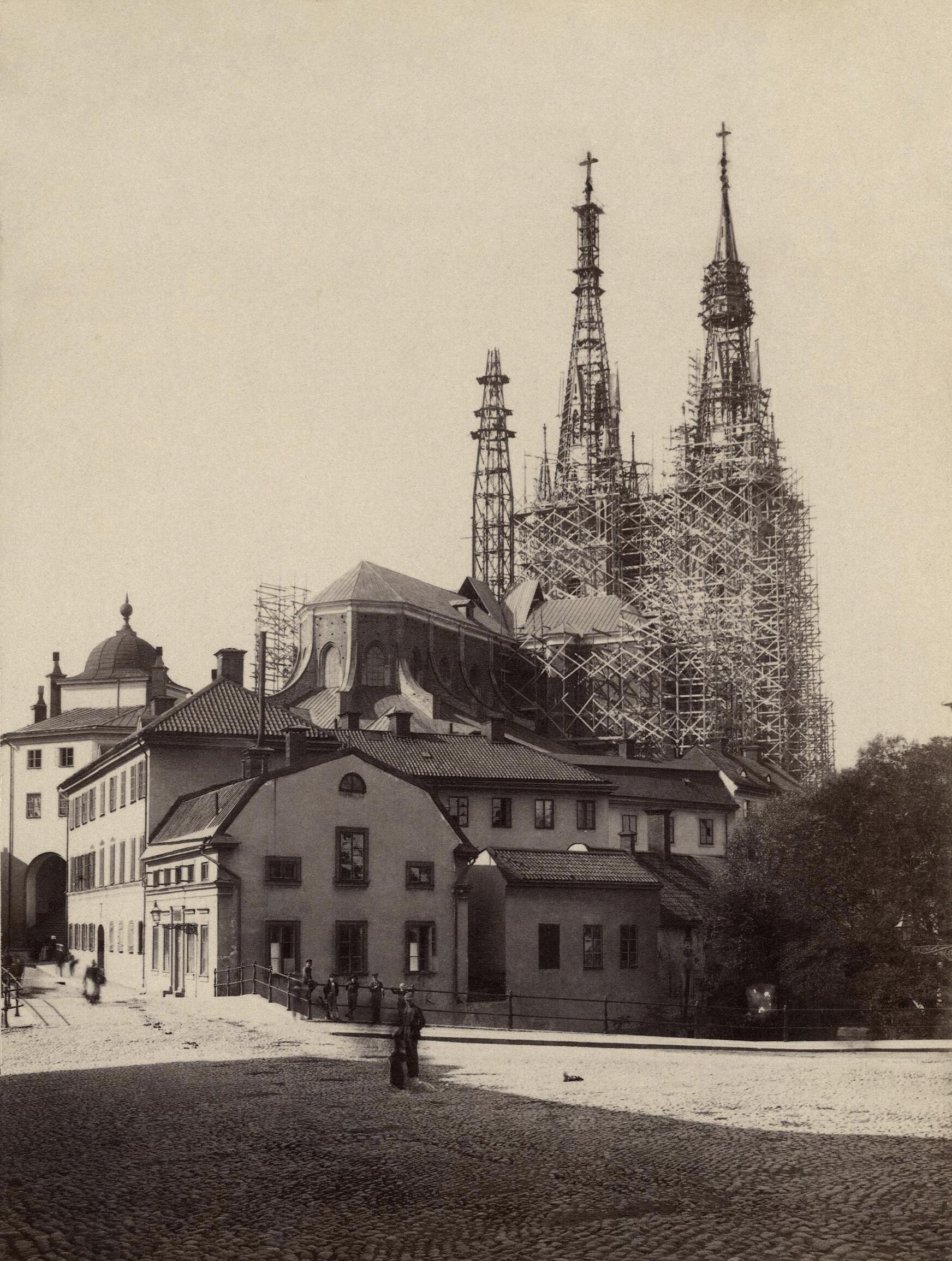 Original \u2013 Emma Schenson\u0027s 1889 photograph of the remodelling of Uppsala Cathedral