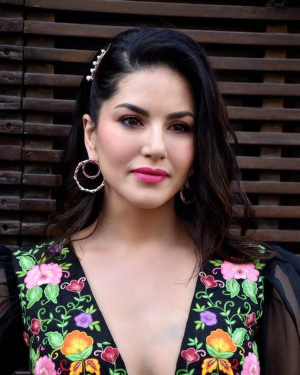 Sunny Leone - Wikipedia