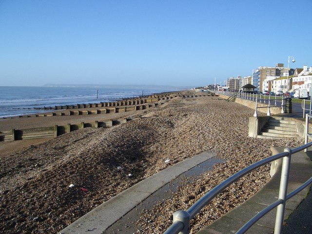 File:The Beach at Bexhill - geograph.org.uk - 295353.jpg