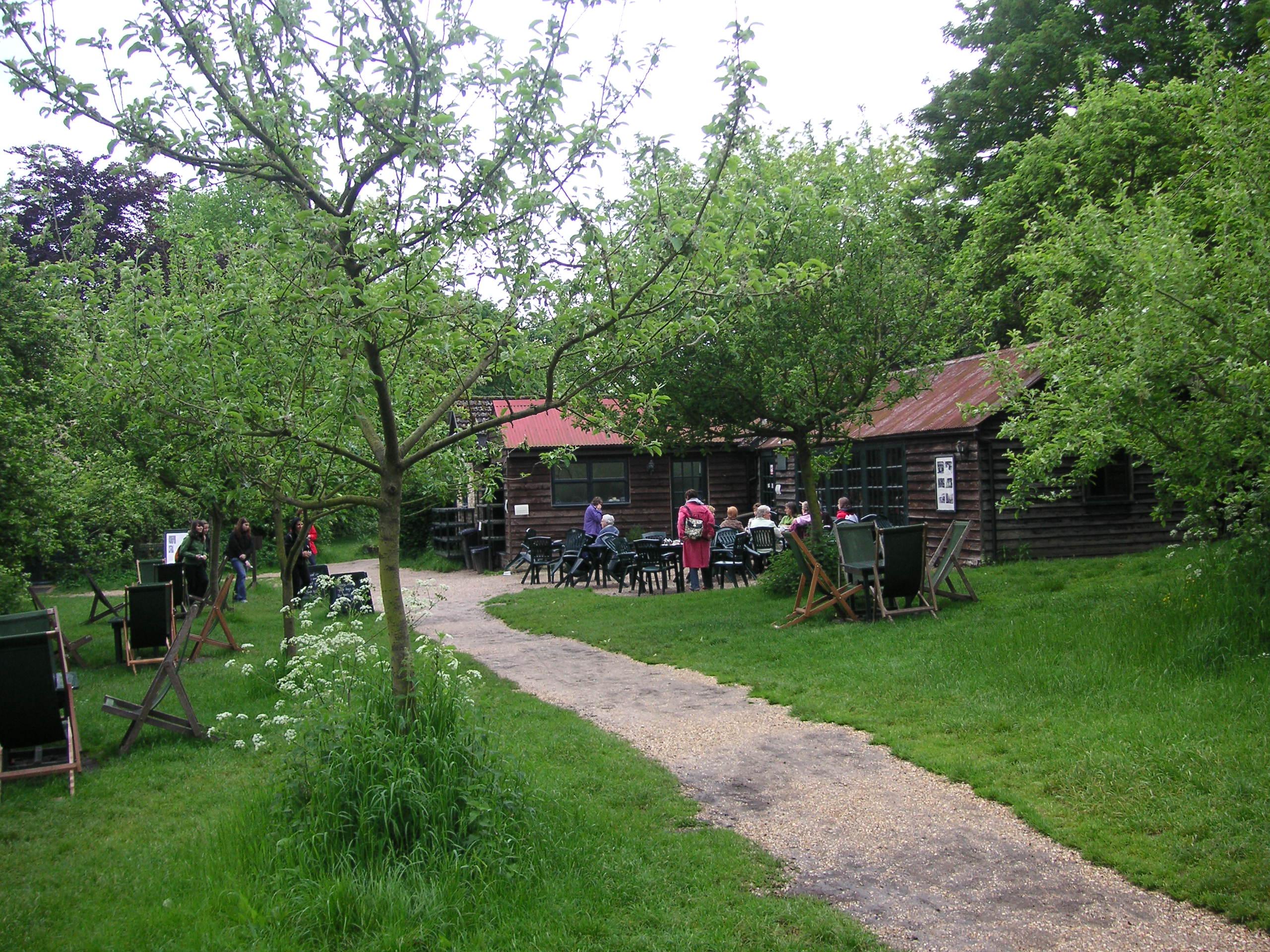 Description the orchard tea garden in grantchester may 2007 jpg
