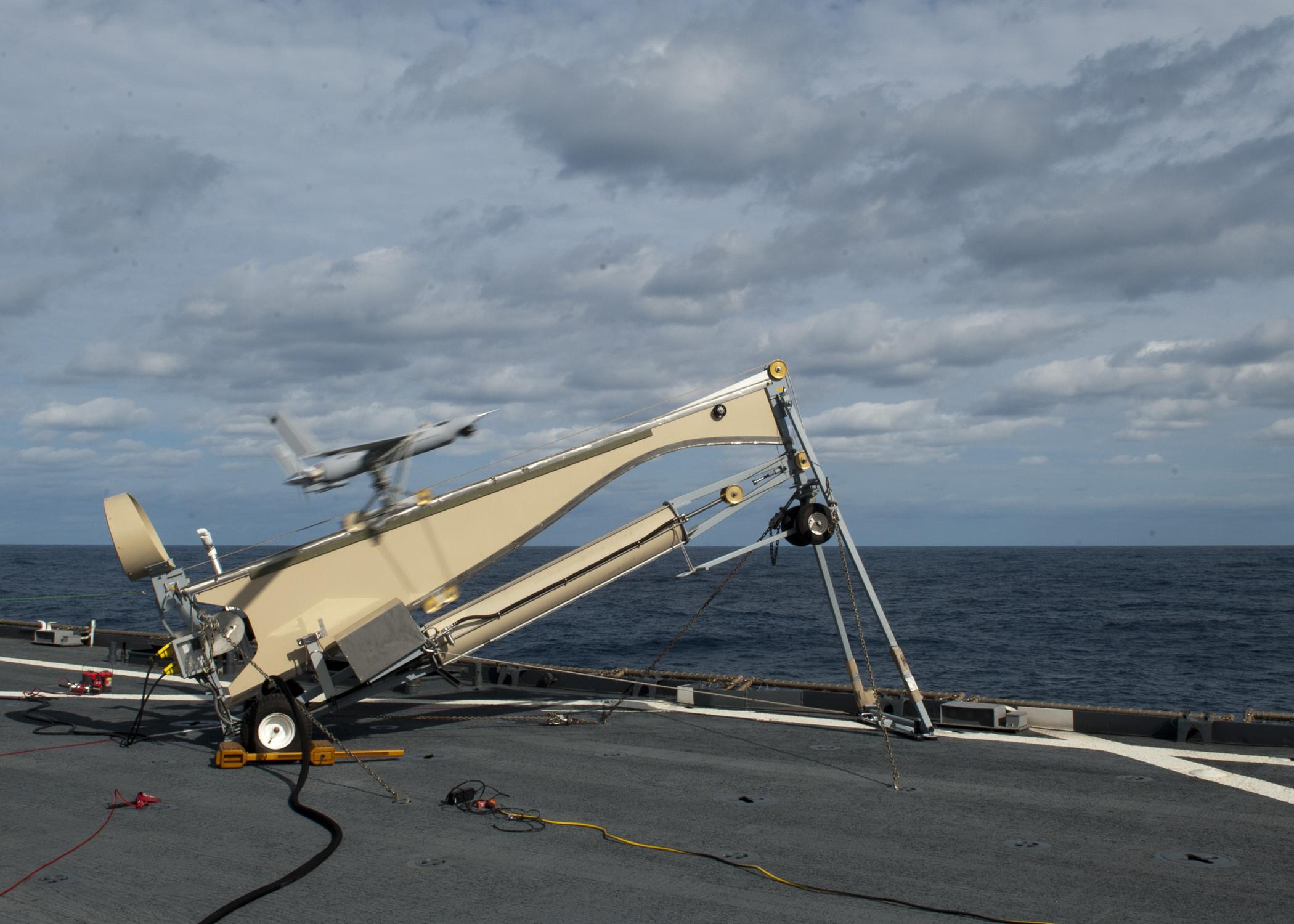 File:US Navy 120206-N-NR955-022 A Scan Eagle unmanned aerial vehicle ...