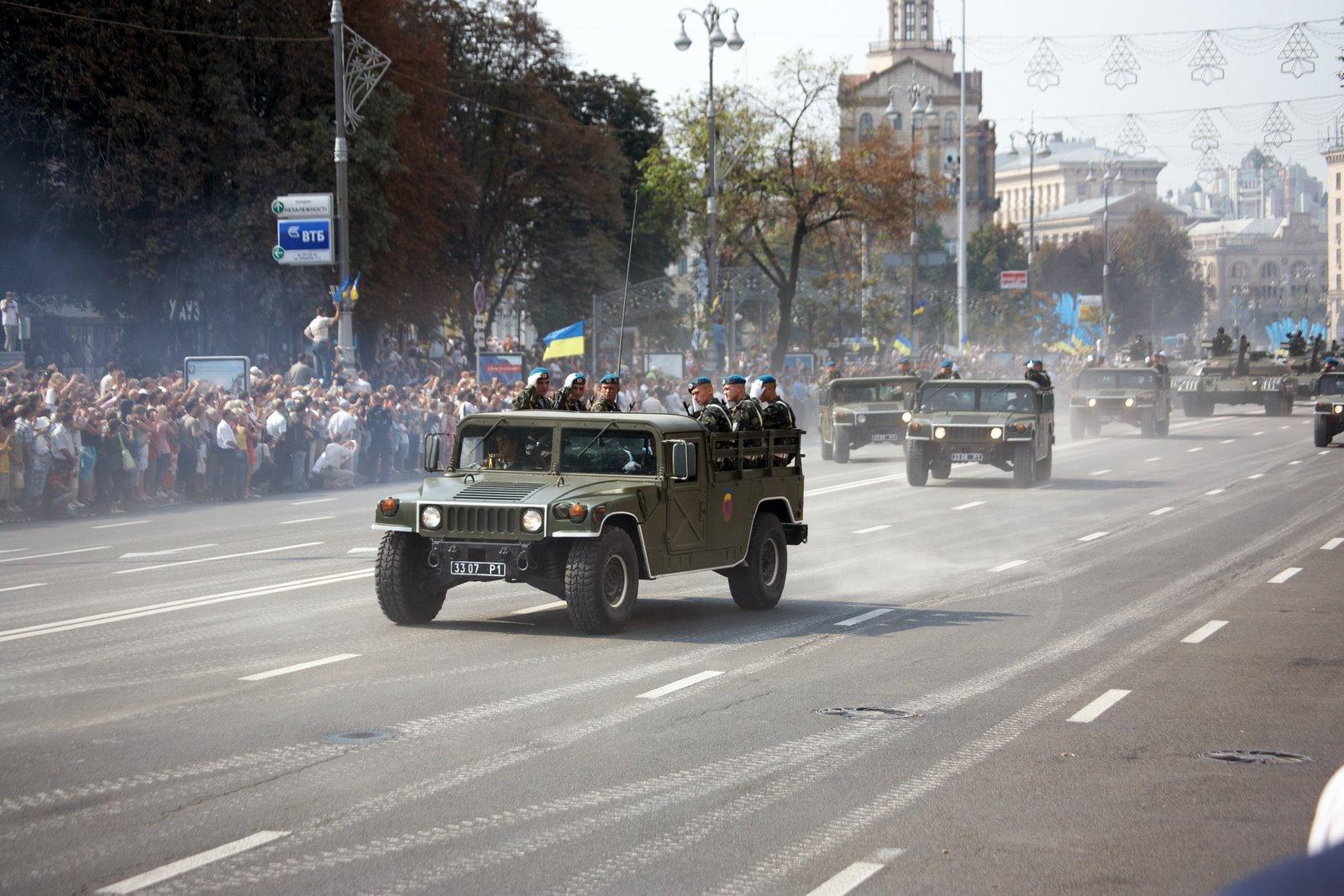 Ukrainian_Humvees%2C_2008.jpg