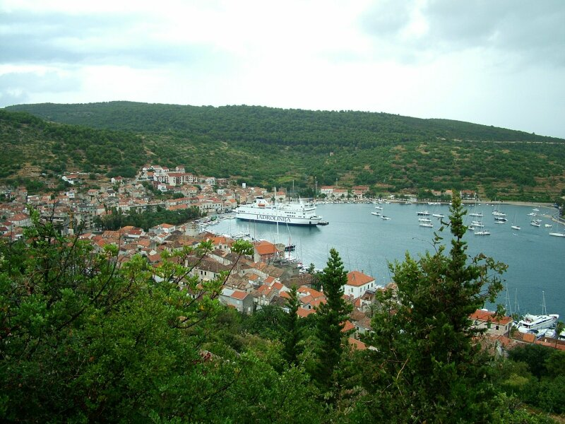 Tailor made tours in Vis Island - Private driver in Croatia | Europe car transfer