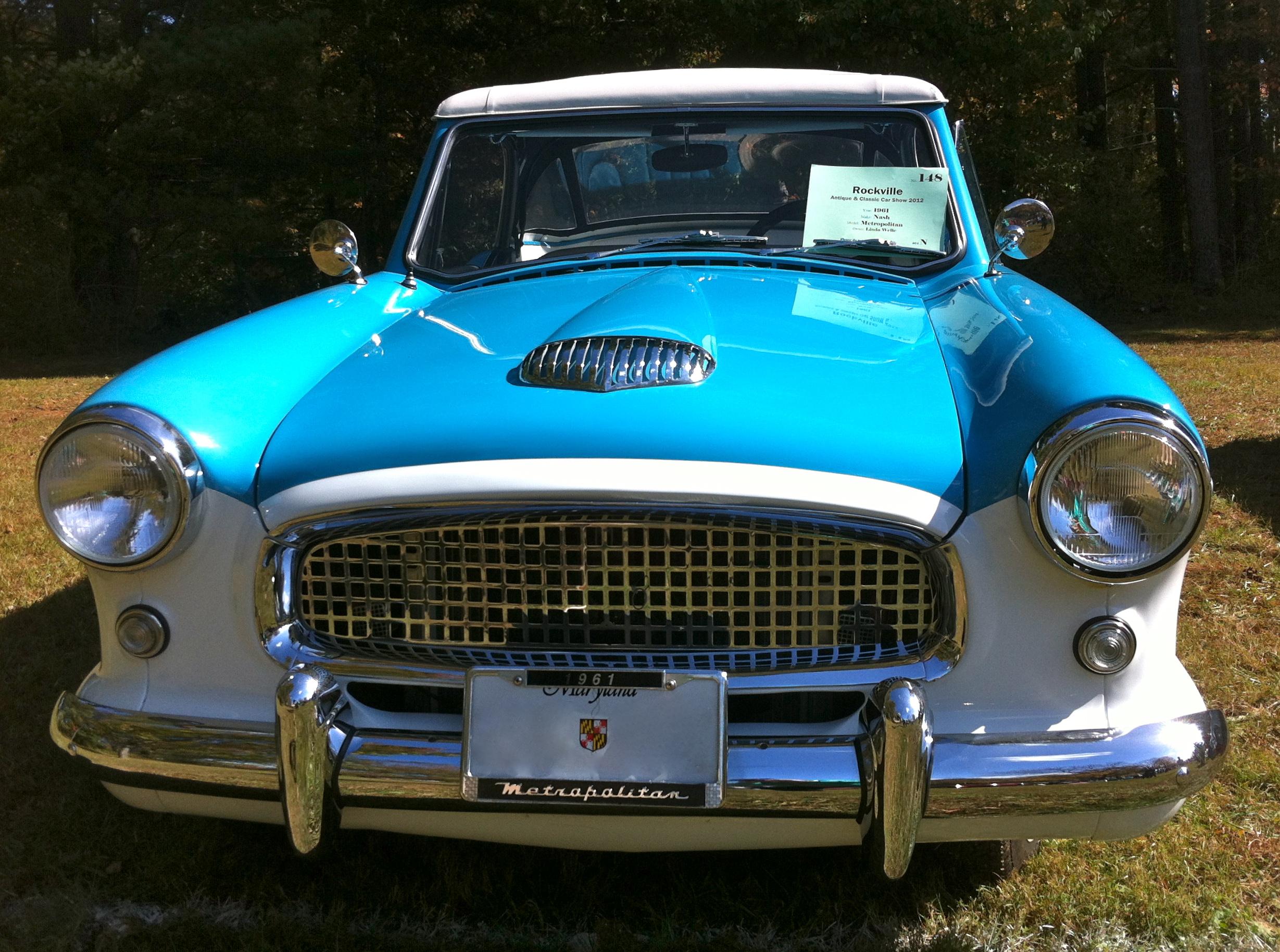 File 1961 Metropolitan convertible at 2012 Rockville f