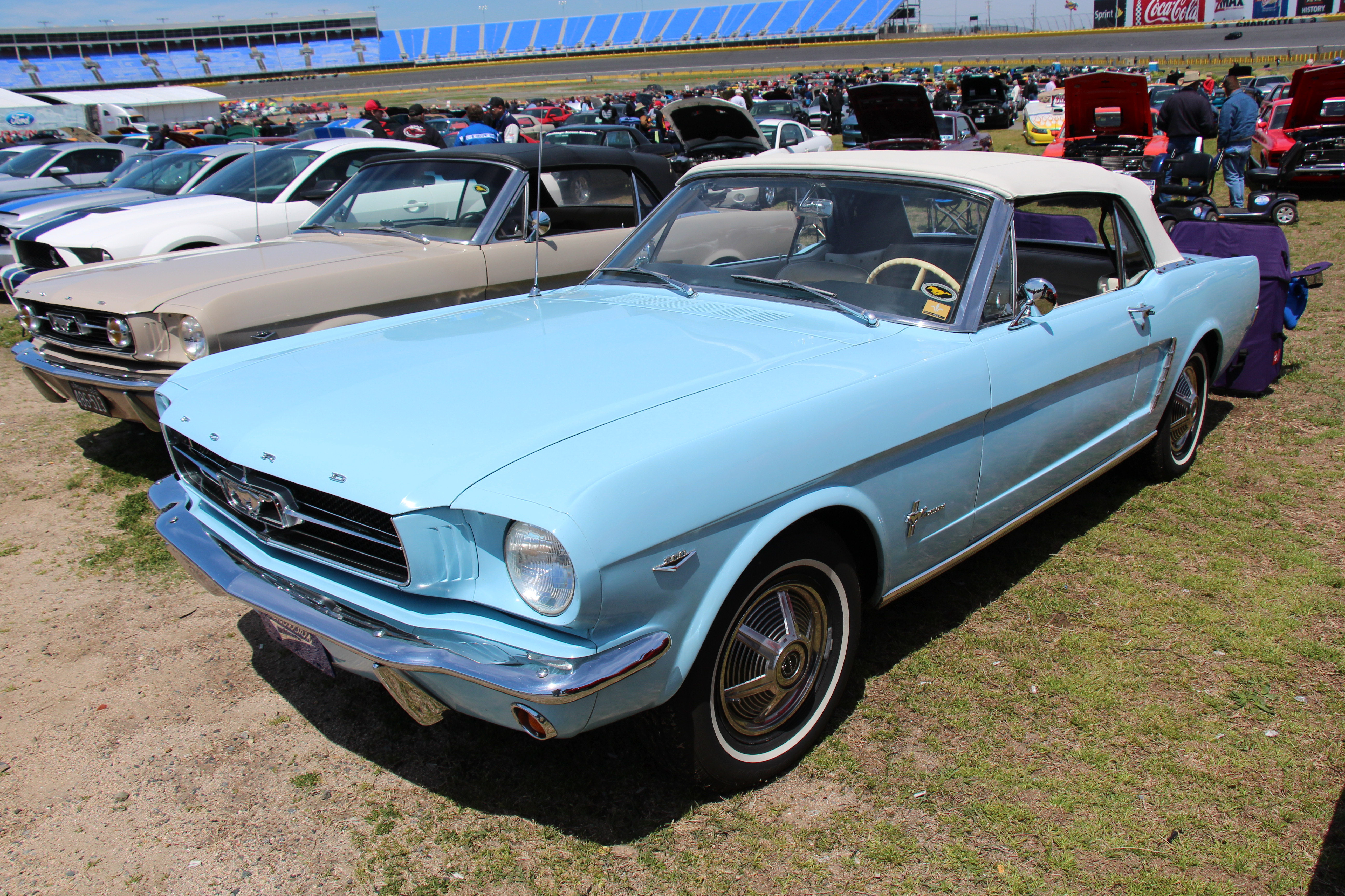 File 1964 Ford Mustang Convertible Wikimedia mons