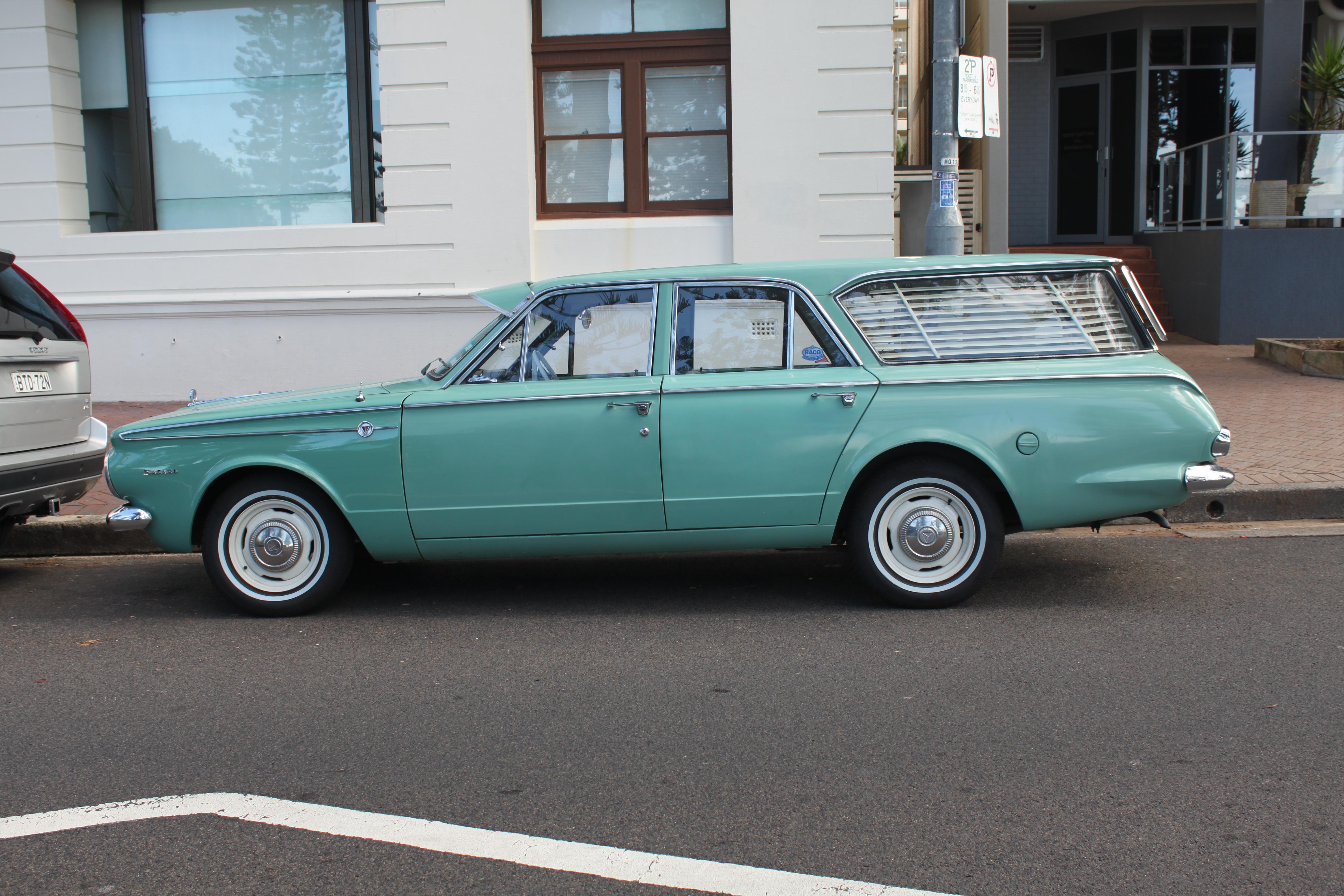 File 1965 Chrysler Valiant AP6 Safari Wagon