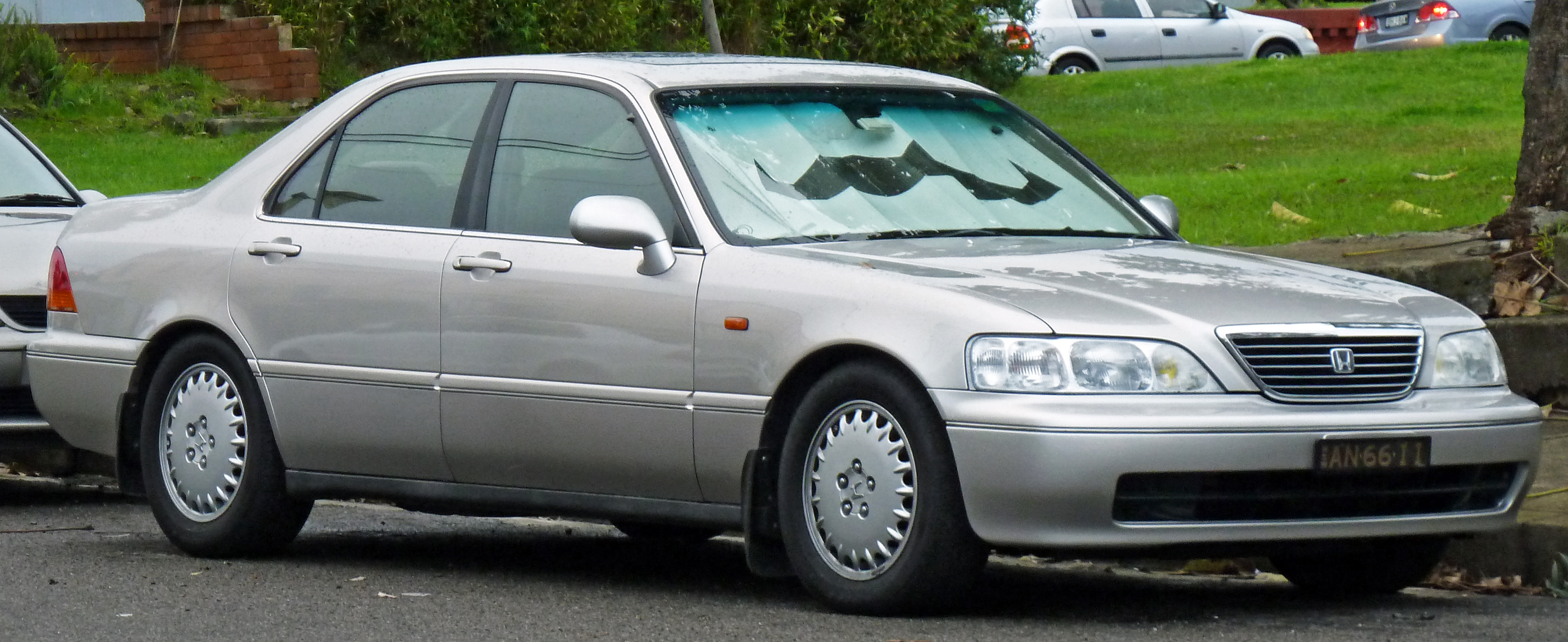 File 1996 1998 Honda Legend KA9 sedan 2011 05 26 Wikimedia