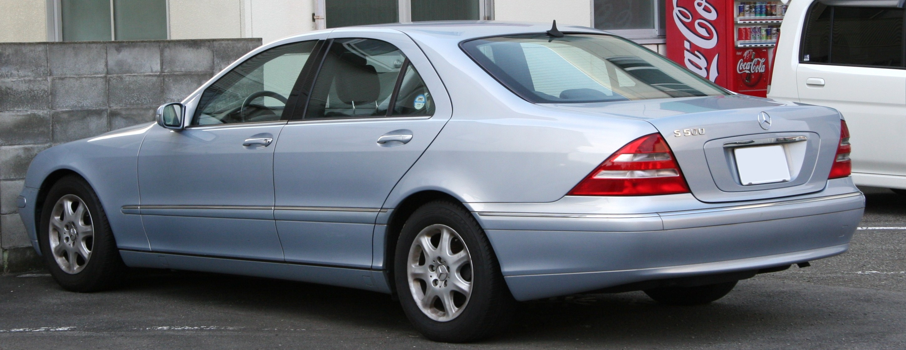 File 1998 2002 Mercedes Benz S500 rear Wikimedia mons